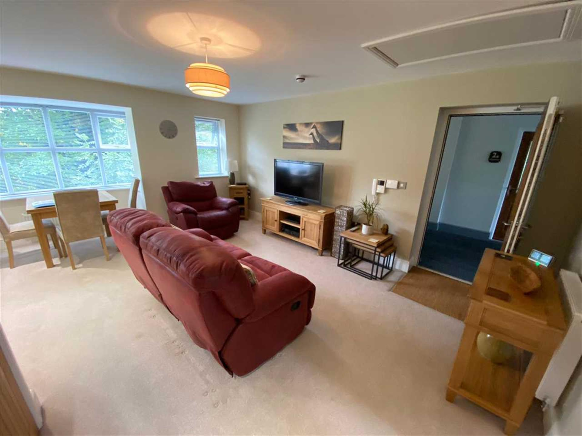 2 Bedroom Apartment Flat / Apartment To Rent - Image 1