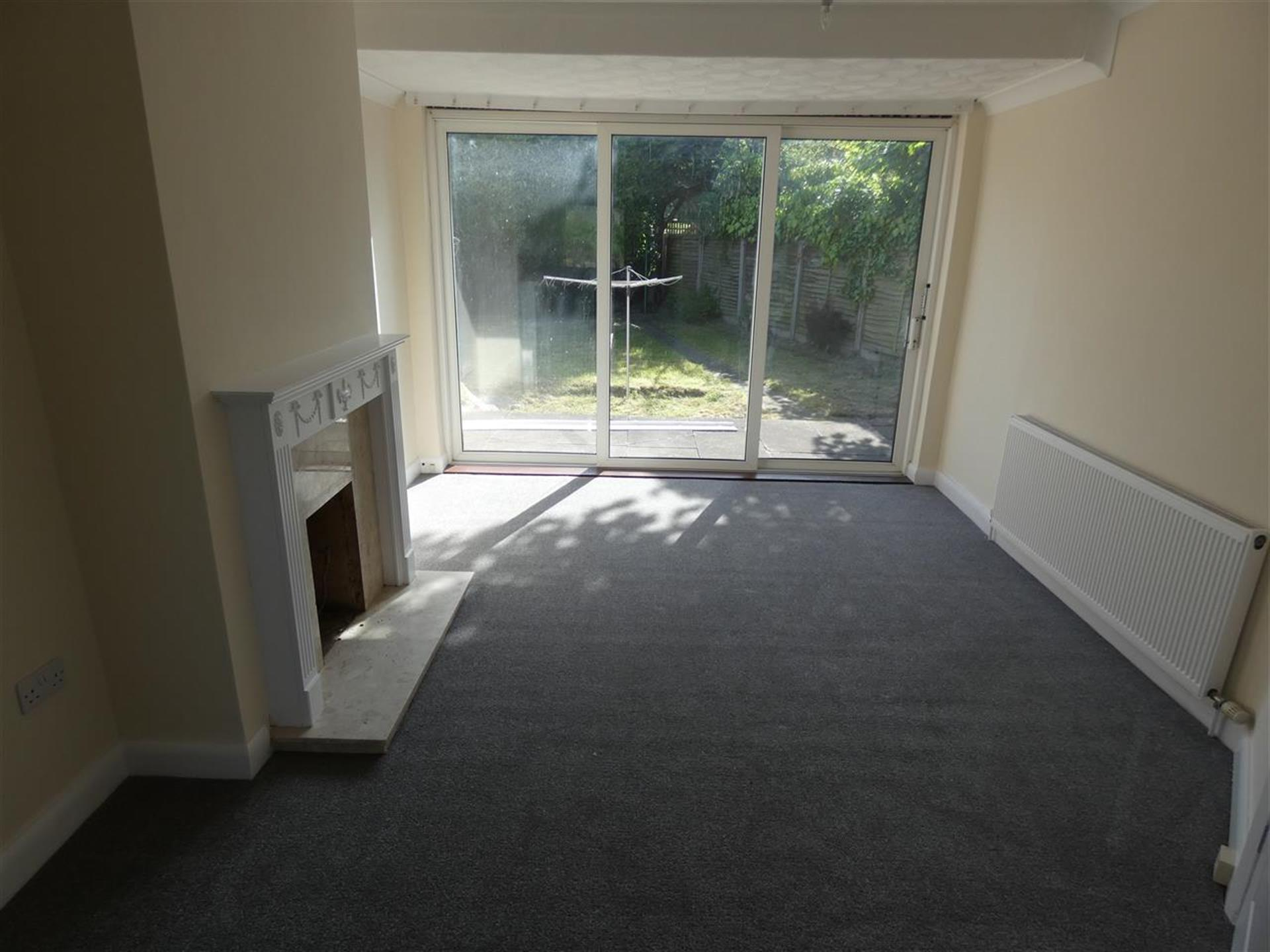 2 Bedroom Bungalow For Sale - Image 2