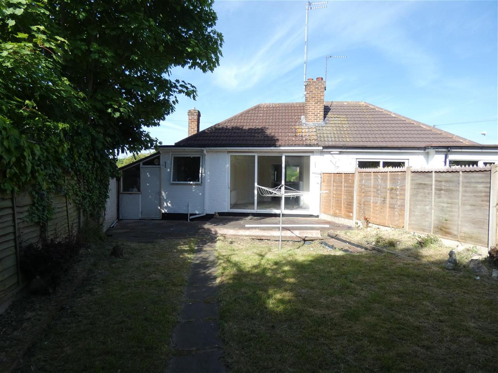 2 Bedroom Bungalow For Sale - Image 9