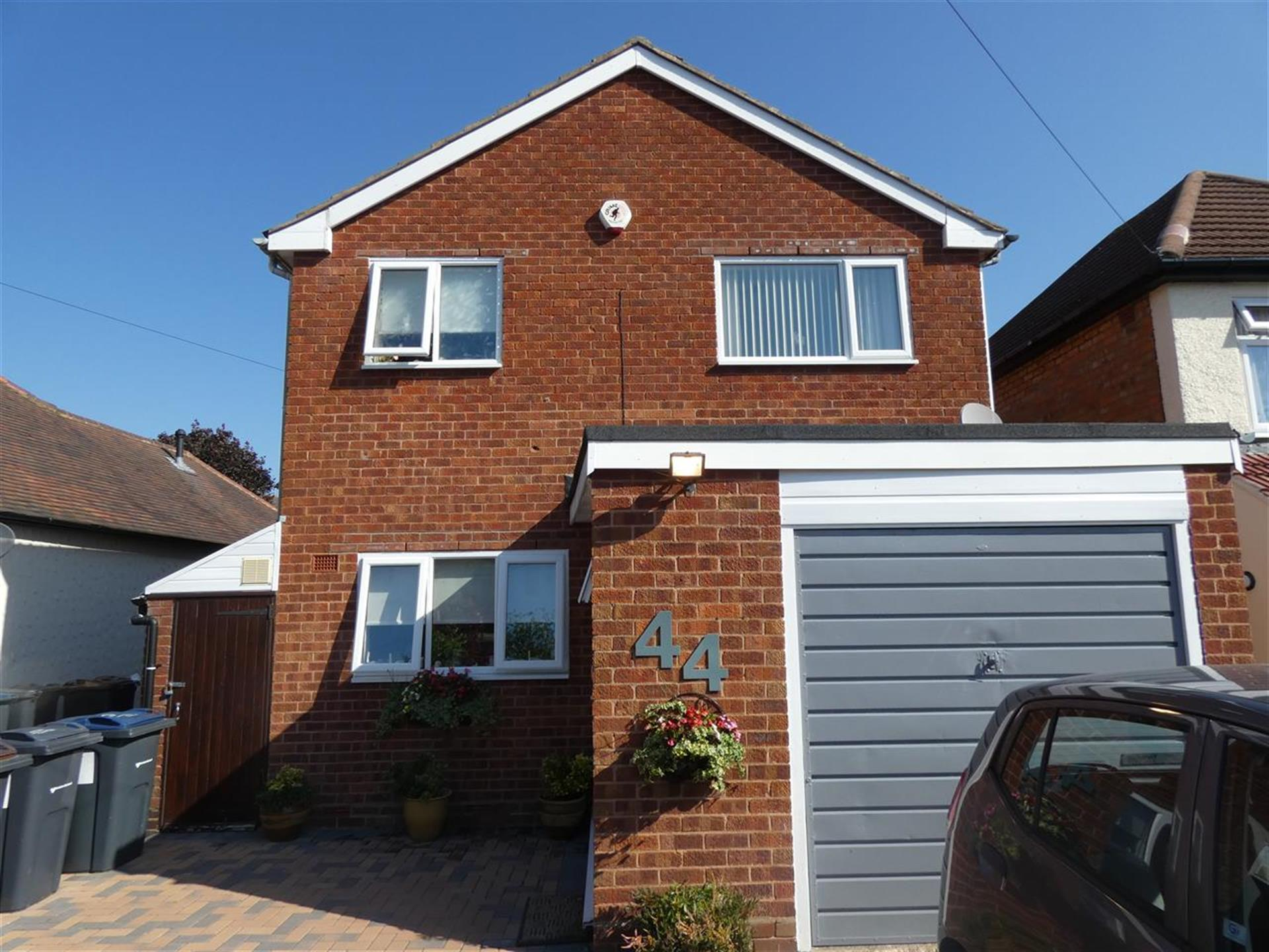 3 Bedroom Detached House For Sale - Main Picture