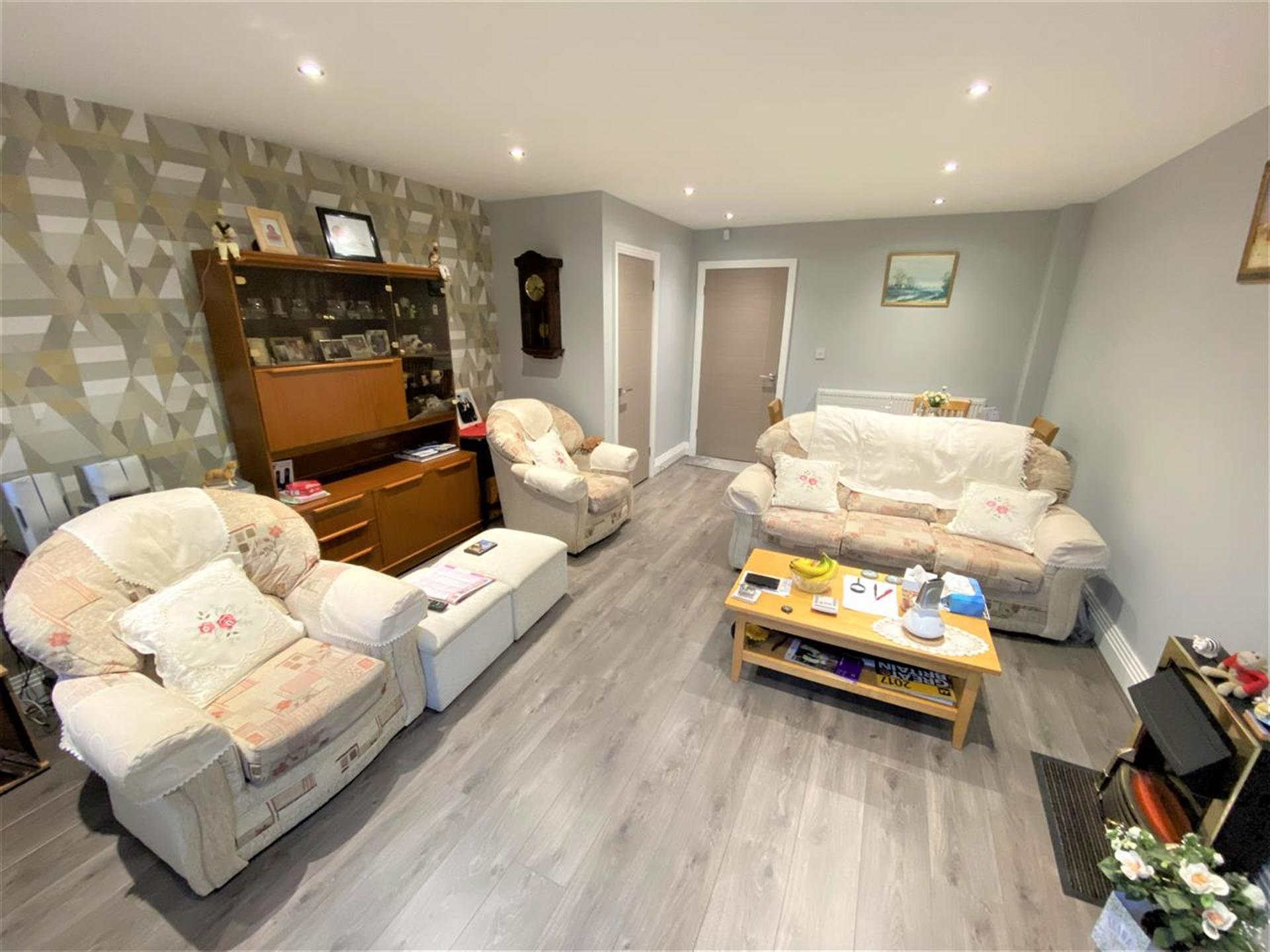 2 Bedroom Town House House For Sale - Image 2