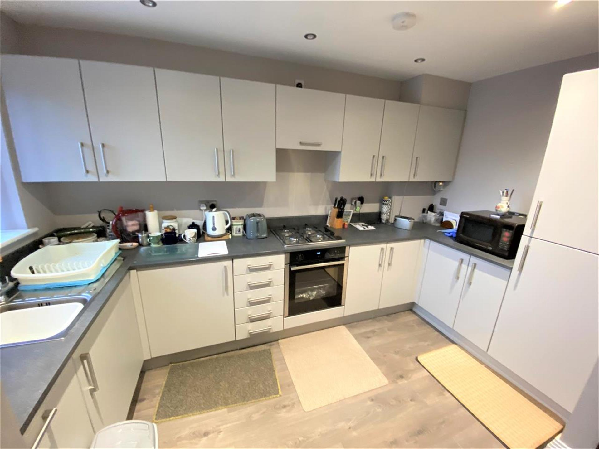 2 Bedroom Town House House For Sale - Kitchen