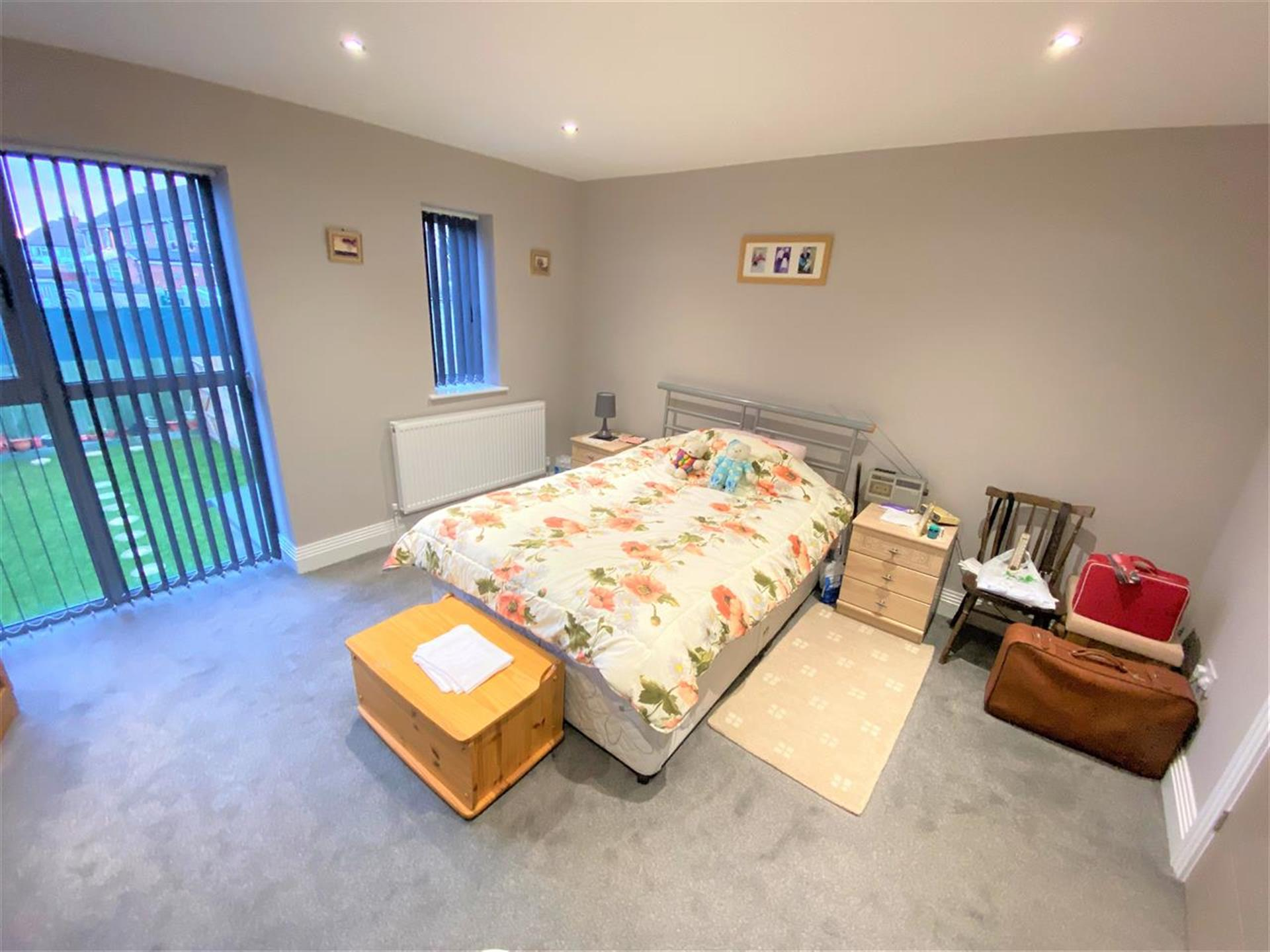 2 Bedroom Town House House For Sale - Bedroom 1