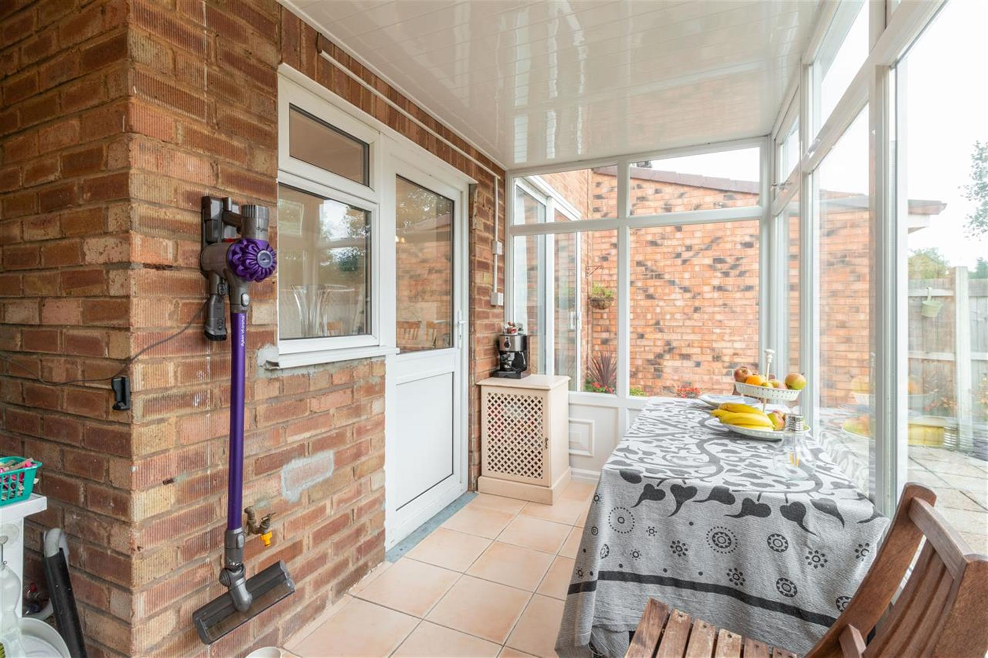 4 Bedroom Semi-detached House For Sale - Conservatory