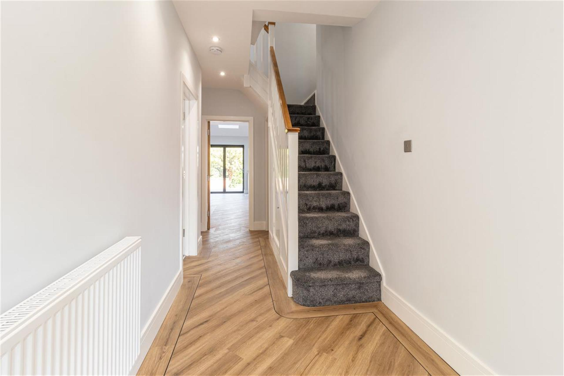 6 Bedroom Detached House For Sale - Spacious Entrance Hall