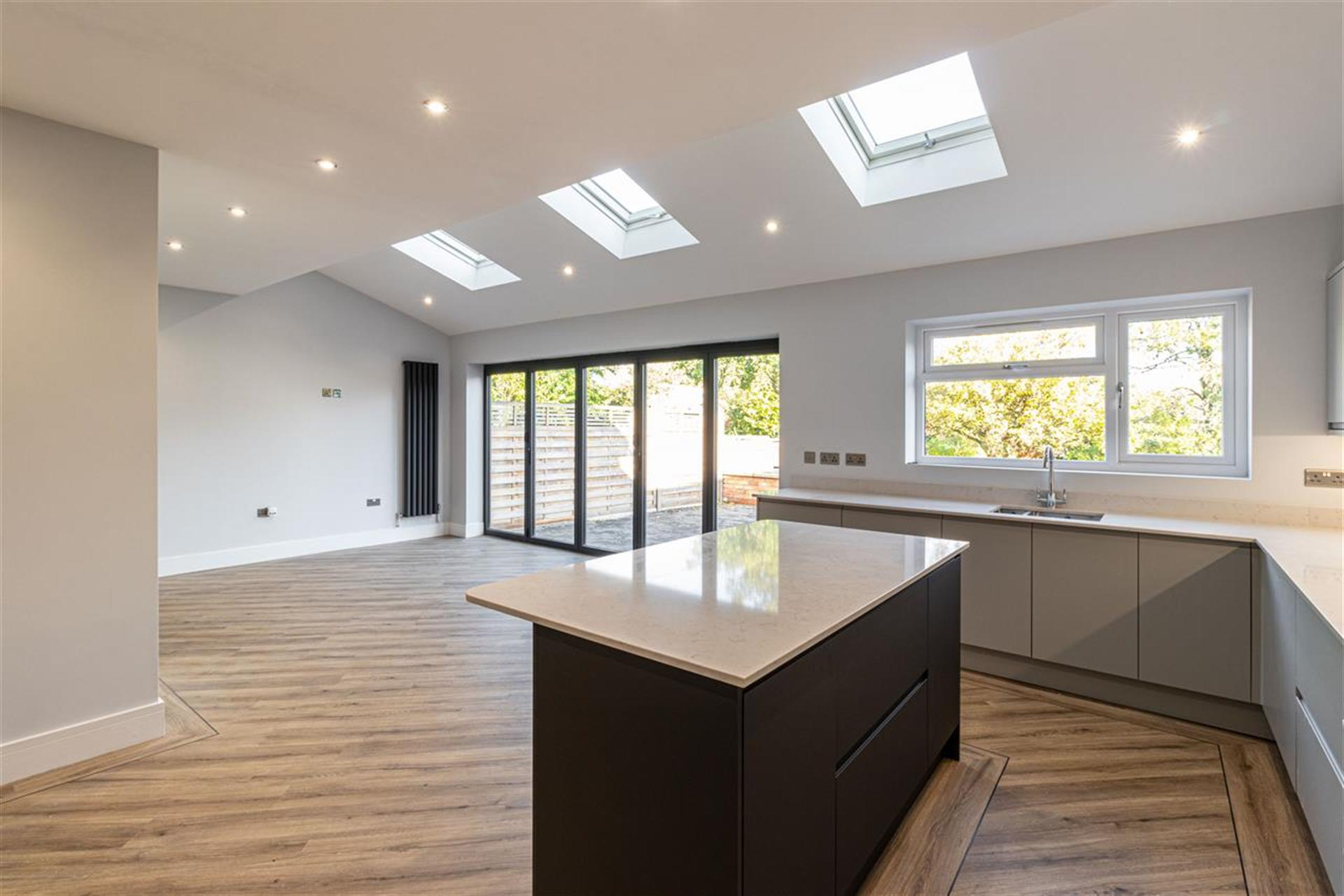 6 Bedroom Detached House For Sale - Open Plan Kitchen Family Room