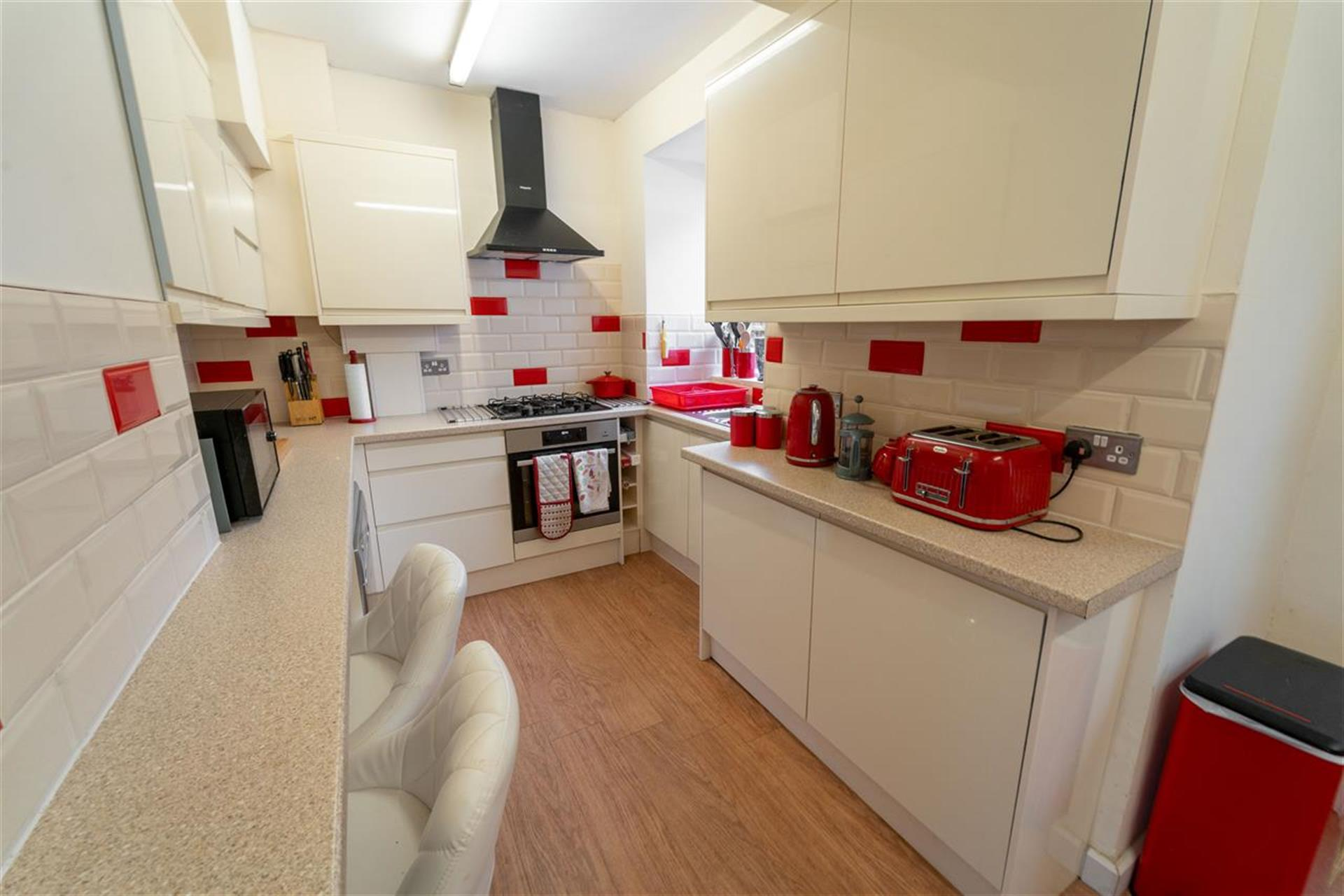 3 Bedroom Semi-detached House For Sale - Fitted Kitchen
