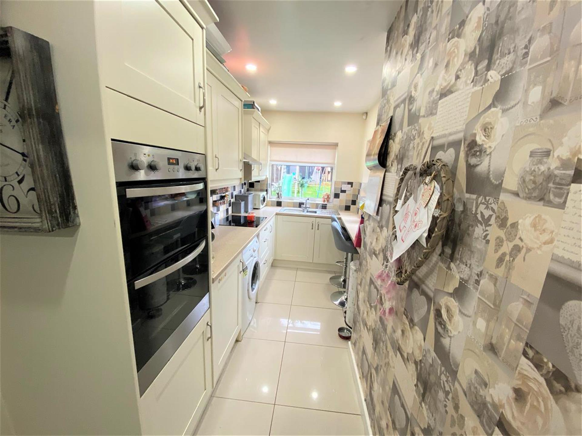 3 Bedroom Semi-detached House For Sale - Extended Fitted Kitchen