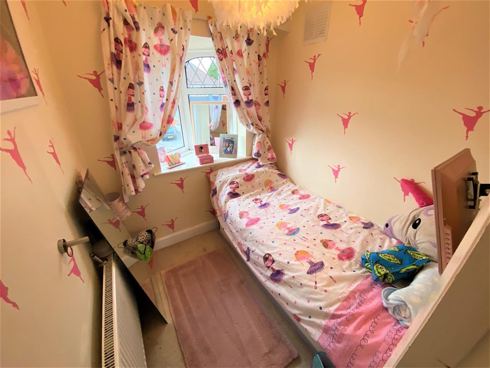 3 Bedroom Semi-detached House For Sale - Bedroom Two