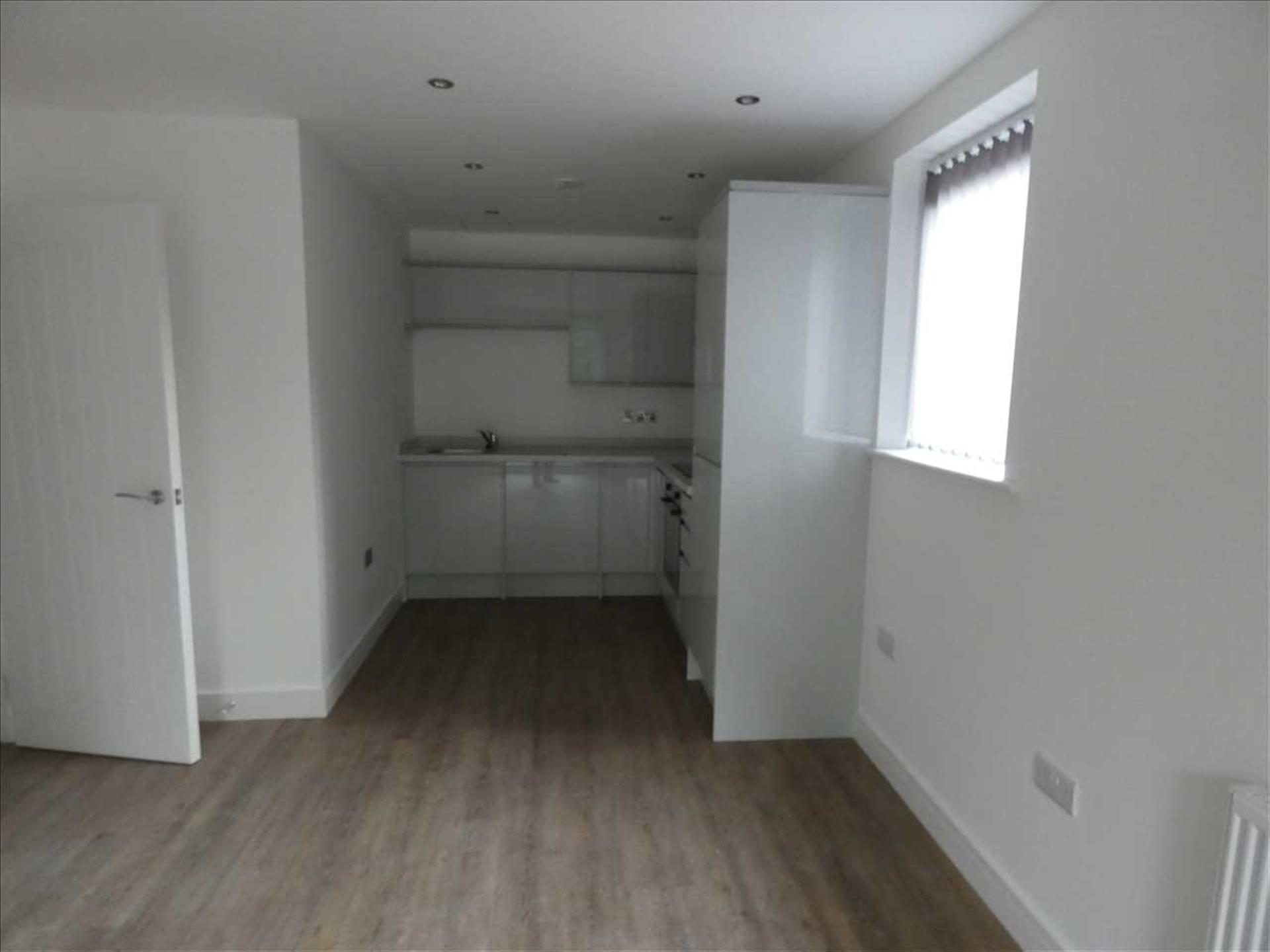 2 Bedroom Apartment Flat / Apartment To Rent - Image 2