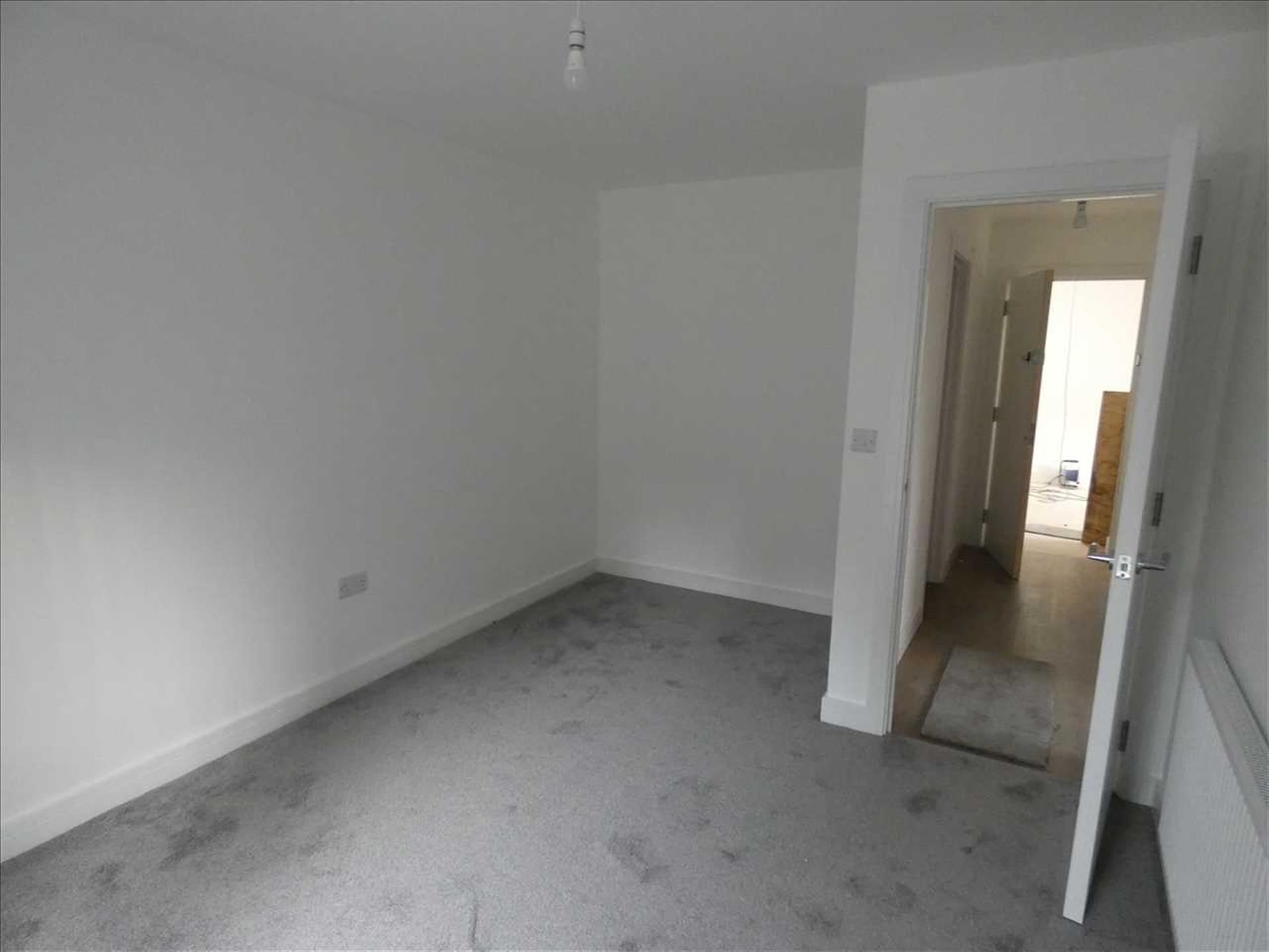2 Bedroom Apartment Flat / Apartment To Rent - Image 7
