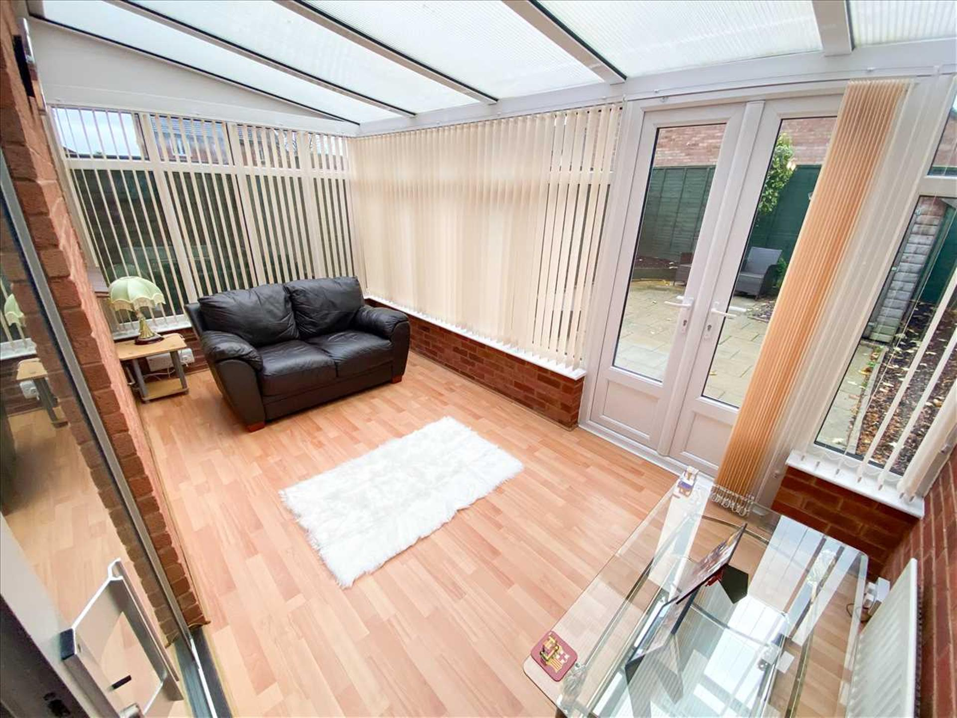 1 Bedroom Semi-detached House For Sale - Conservatory