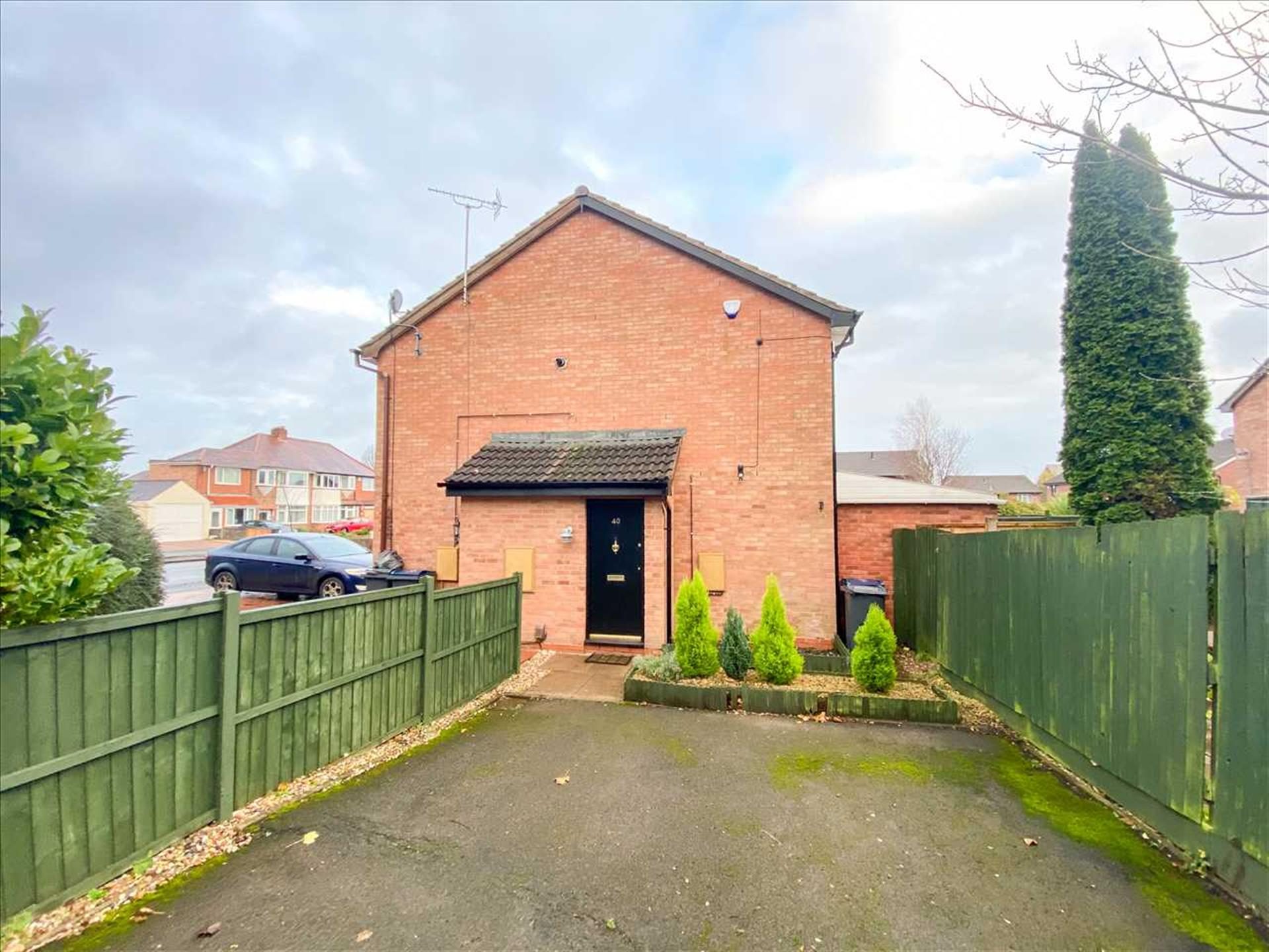 1 Bedroom Semi-detached House For Sale - Image 8
