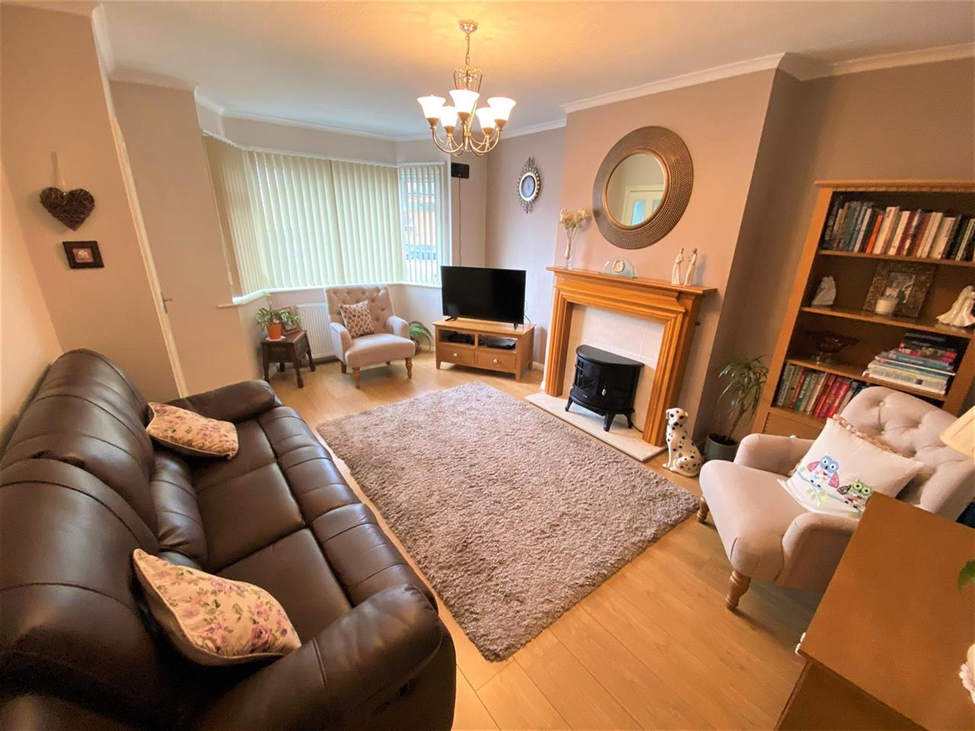 2 Bedroom Terraced House For Sale - Lounge