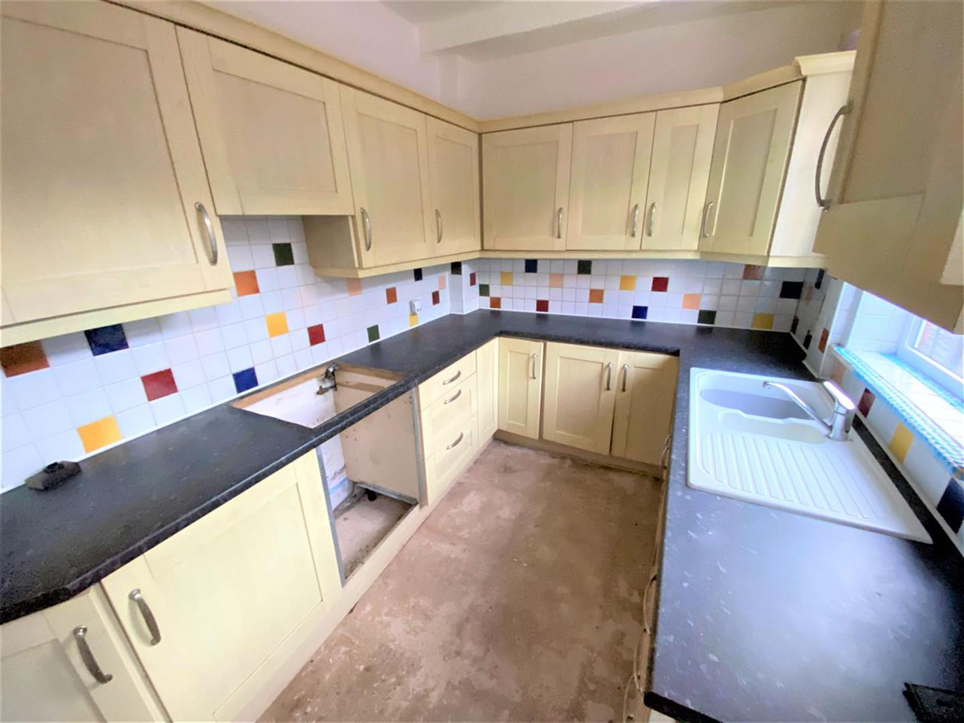 2 Bedroom End Terraced House For Sale - Image 5