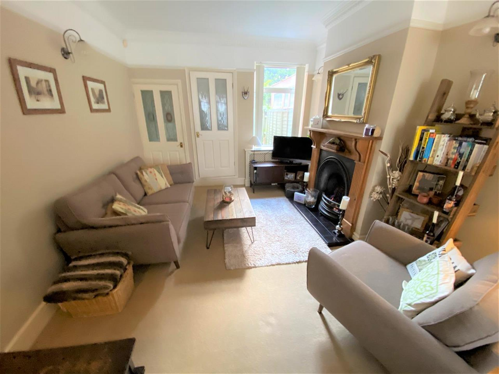 3 Bedroom Terraced House For Sale - Lounge Area