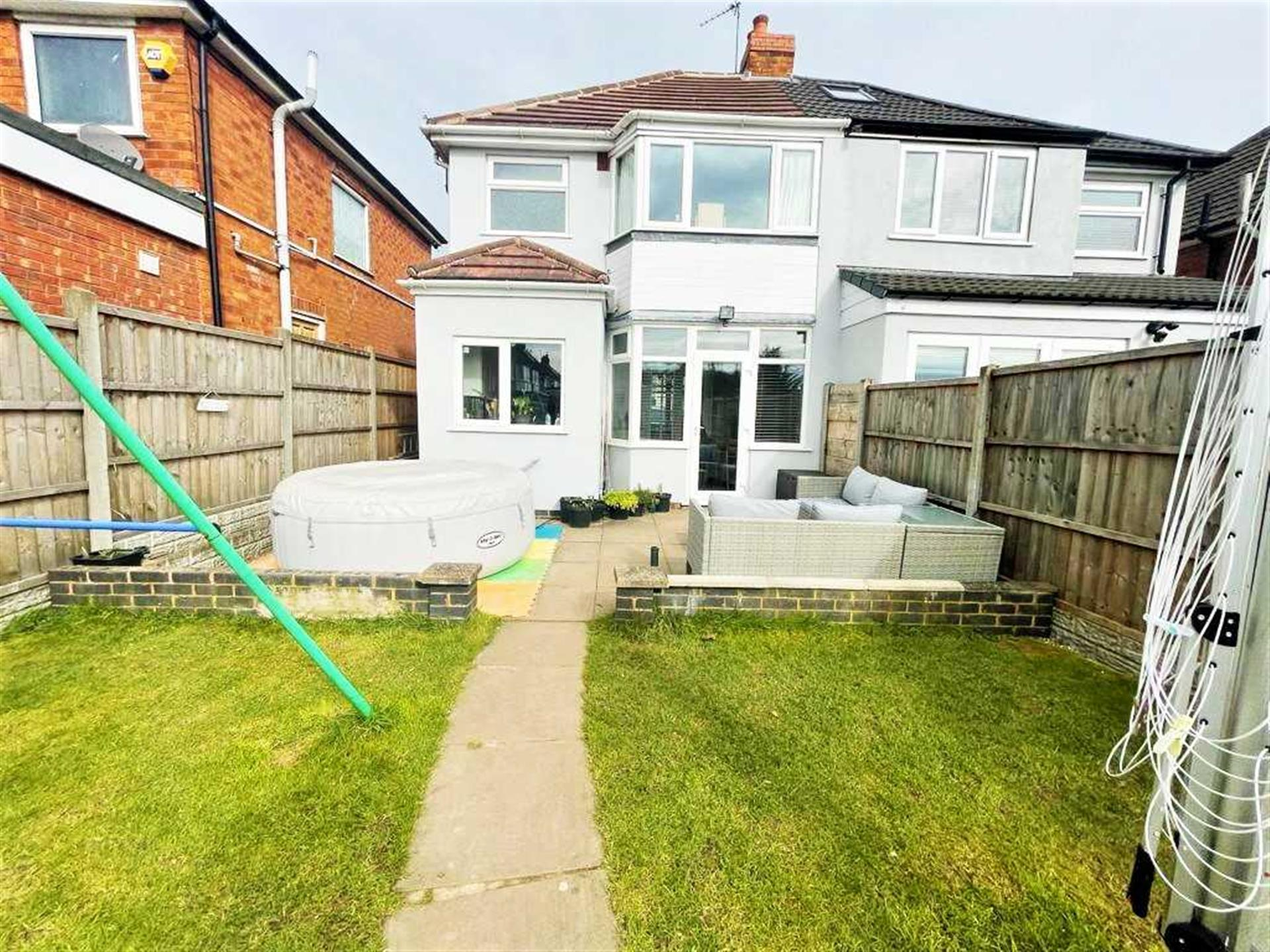 3 Bedroom Semi-detached House For Sale - Image 14