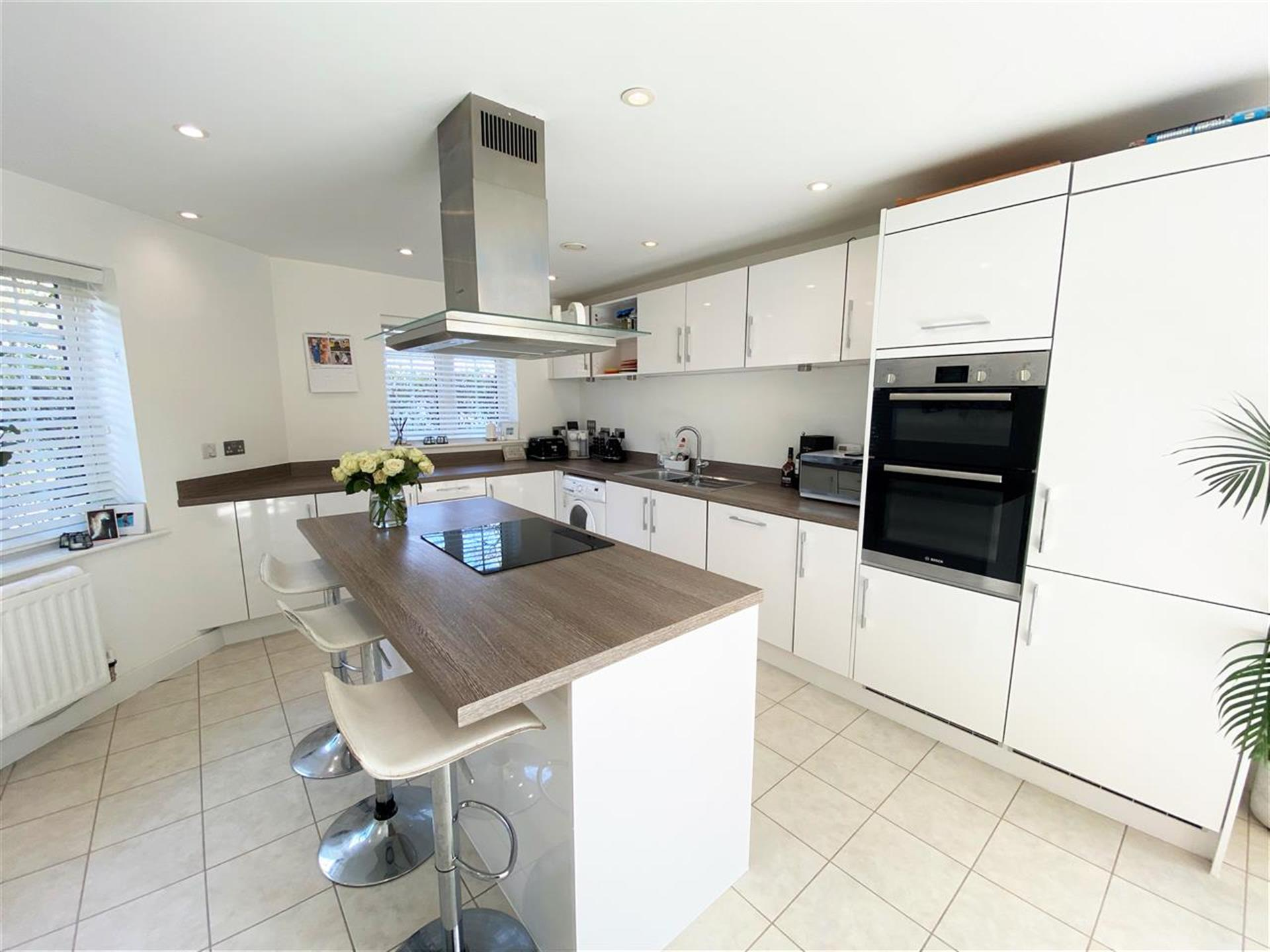 5 Bedroom Detached House For Sale - Luxury Fitted Kitchen