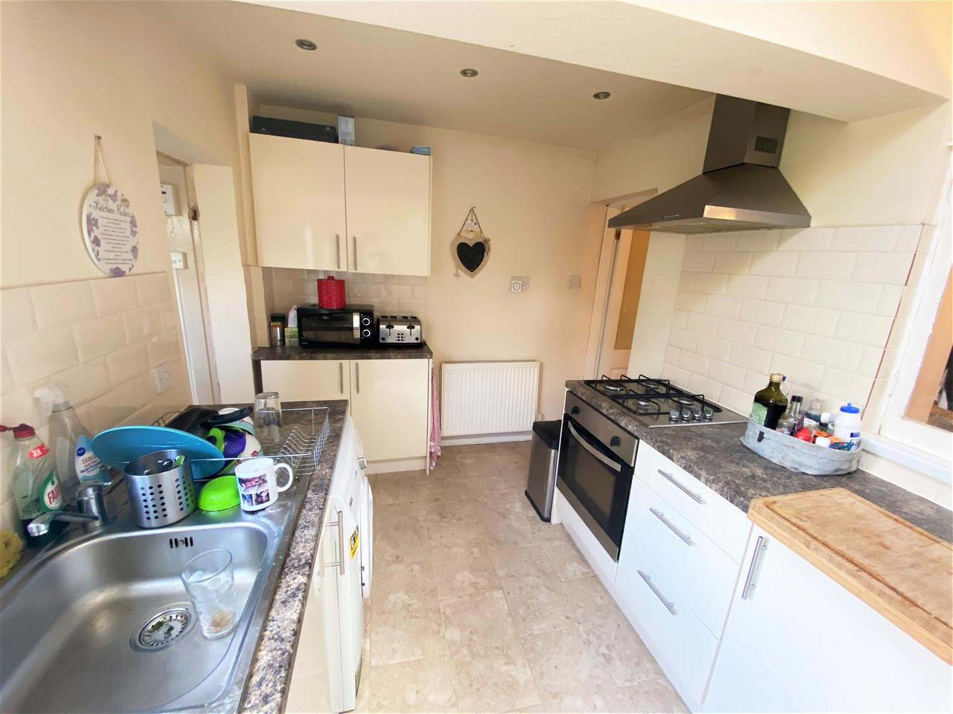 2 Bedroom Terraced House For Sale - Image 6