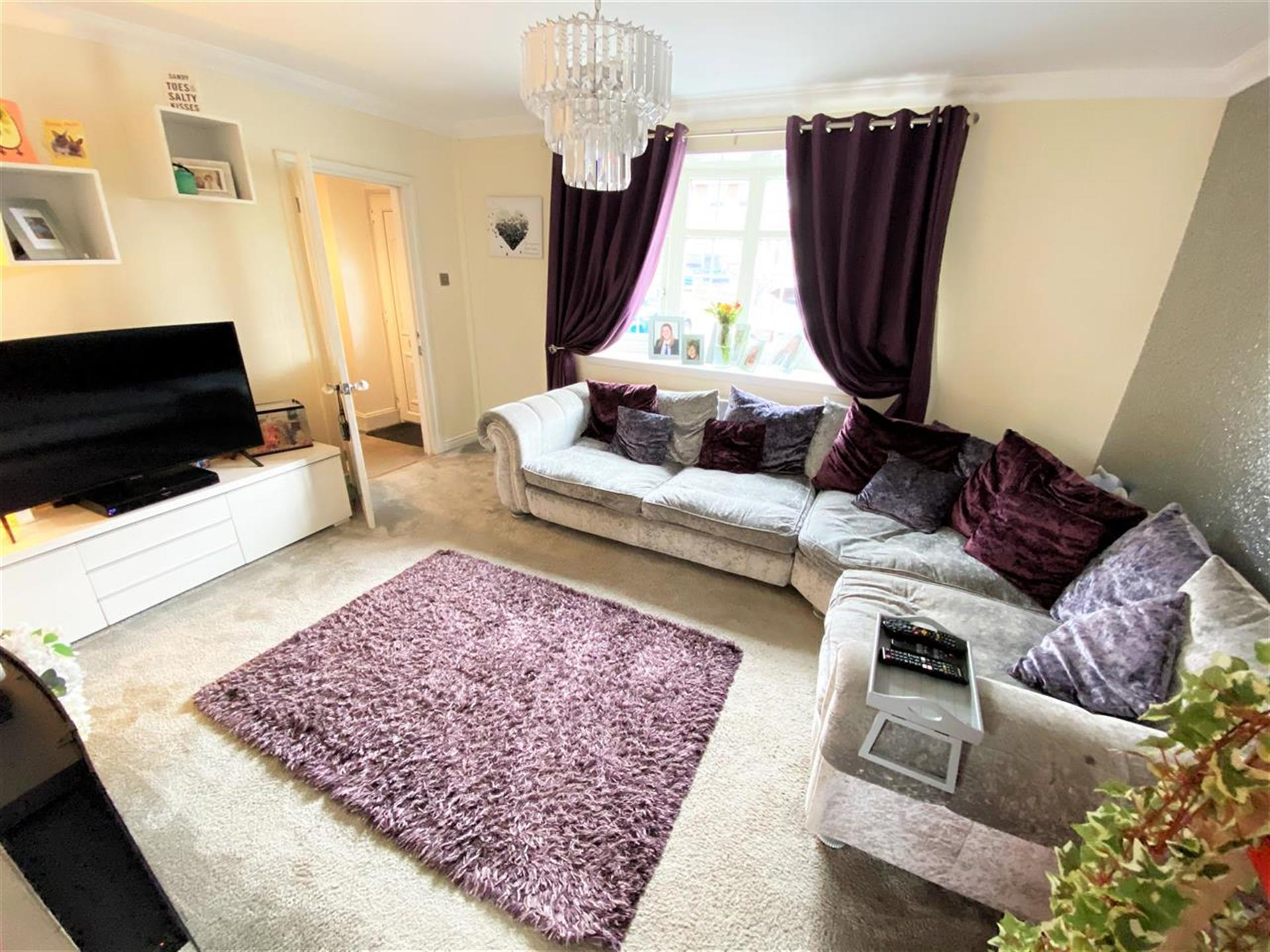 4 Bedroom Terraced House For Sale - Lounge
