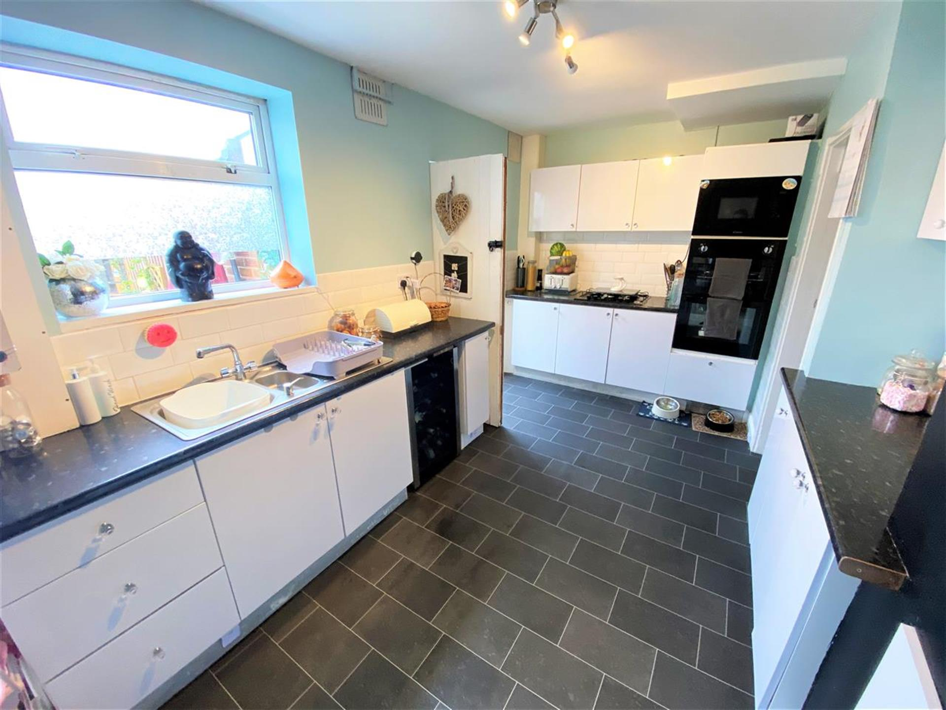 4 Bedroom Terraced House For Sale - Kitchen
