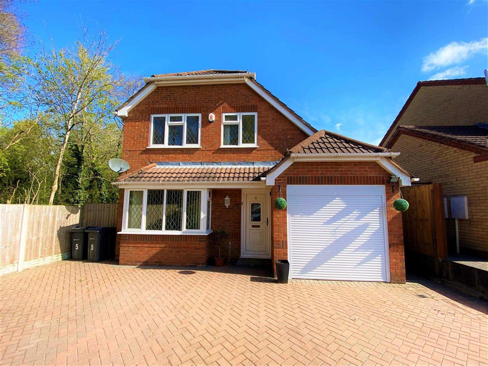 3 Bedroom Detached House To Rent - Main Picture