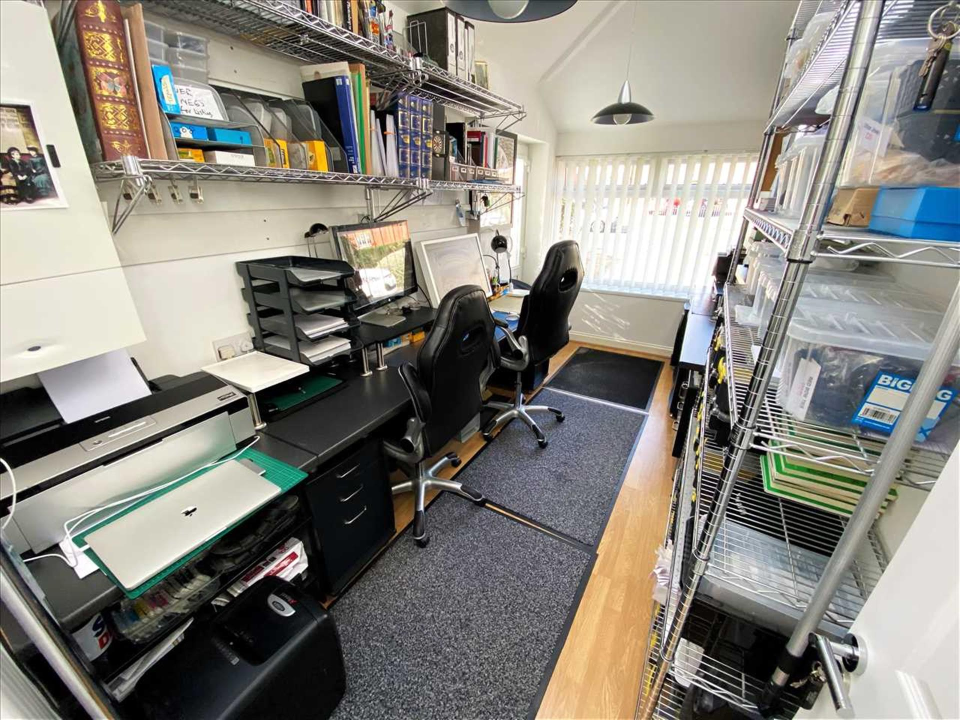 3 Bedroom Semi-detached House For Sale - Office