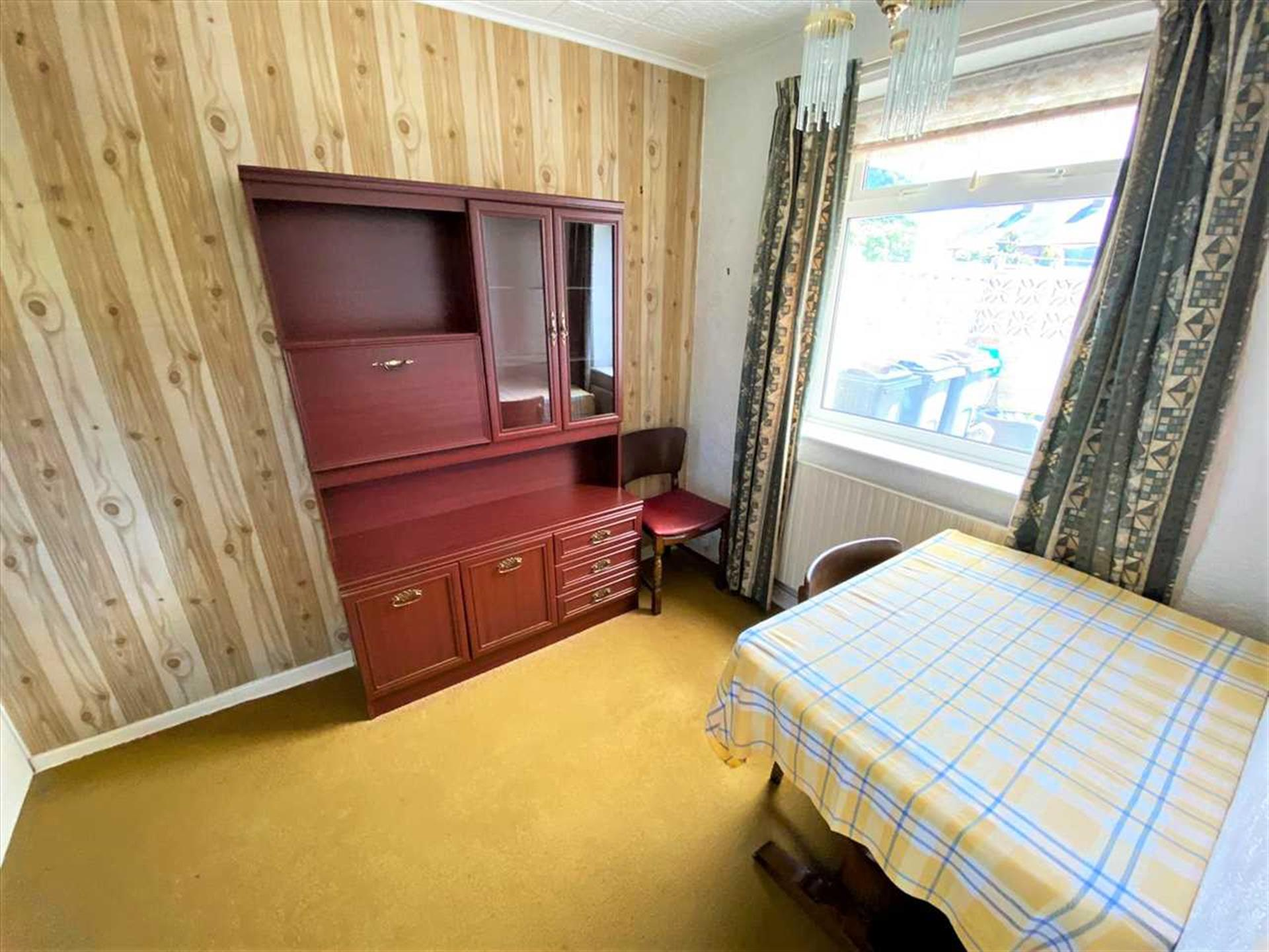 3 Bedroom Terraced House For Sale - Dining Room