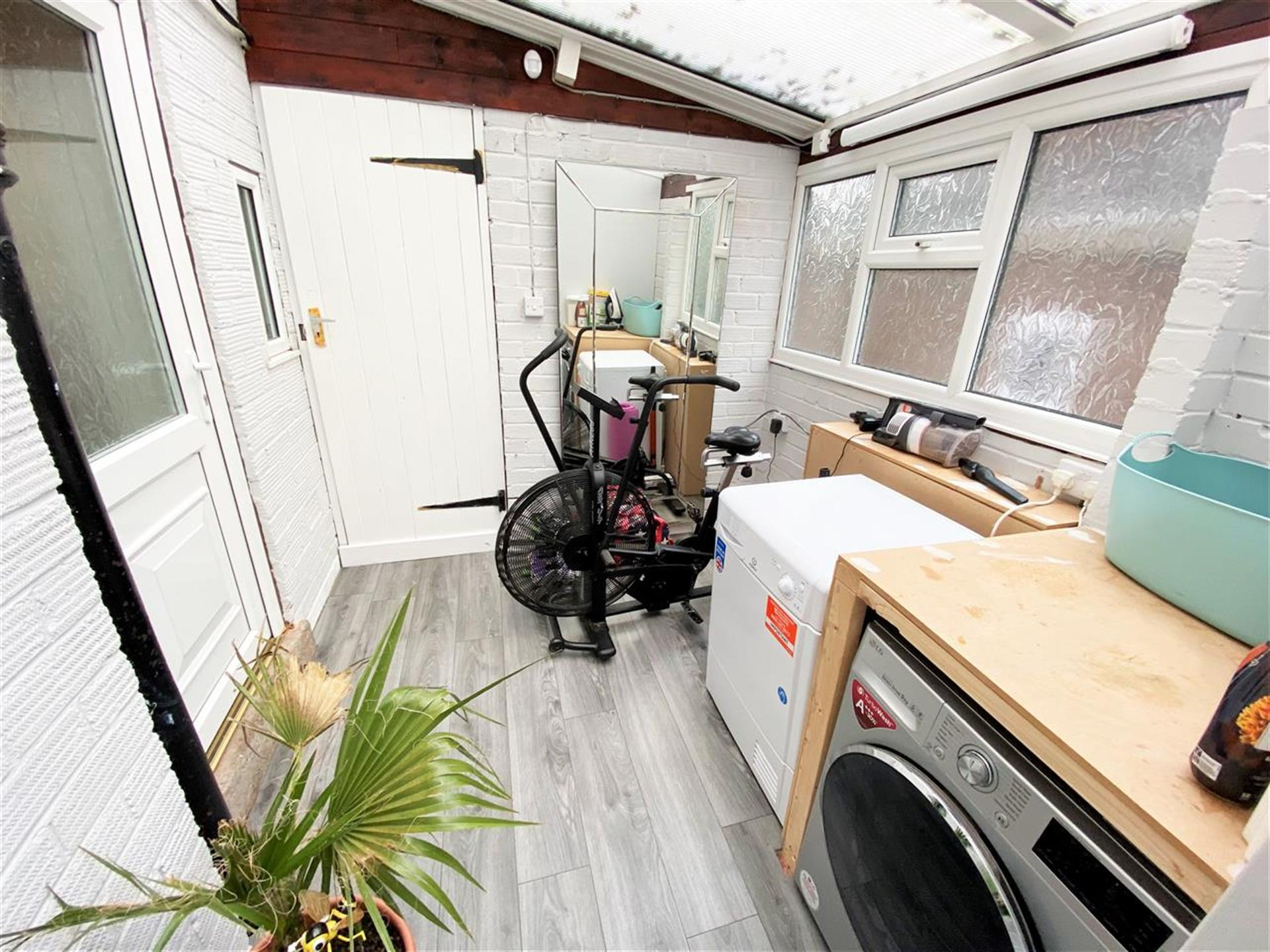 3 Bedroom Semi-detached House For Sale - Utility