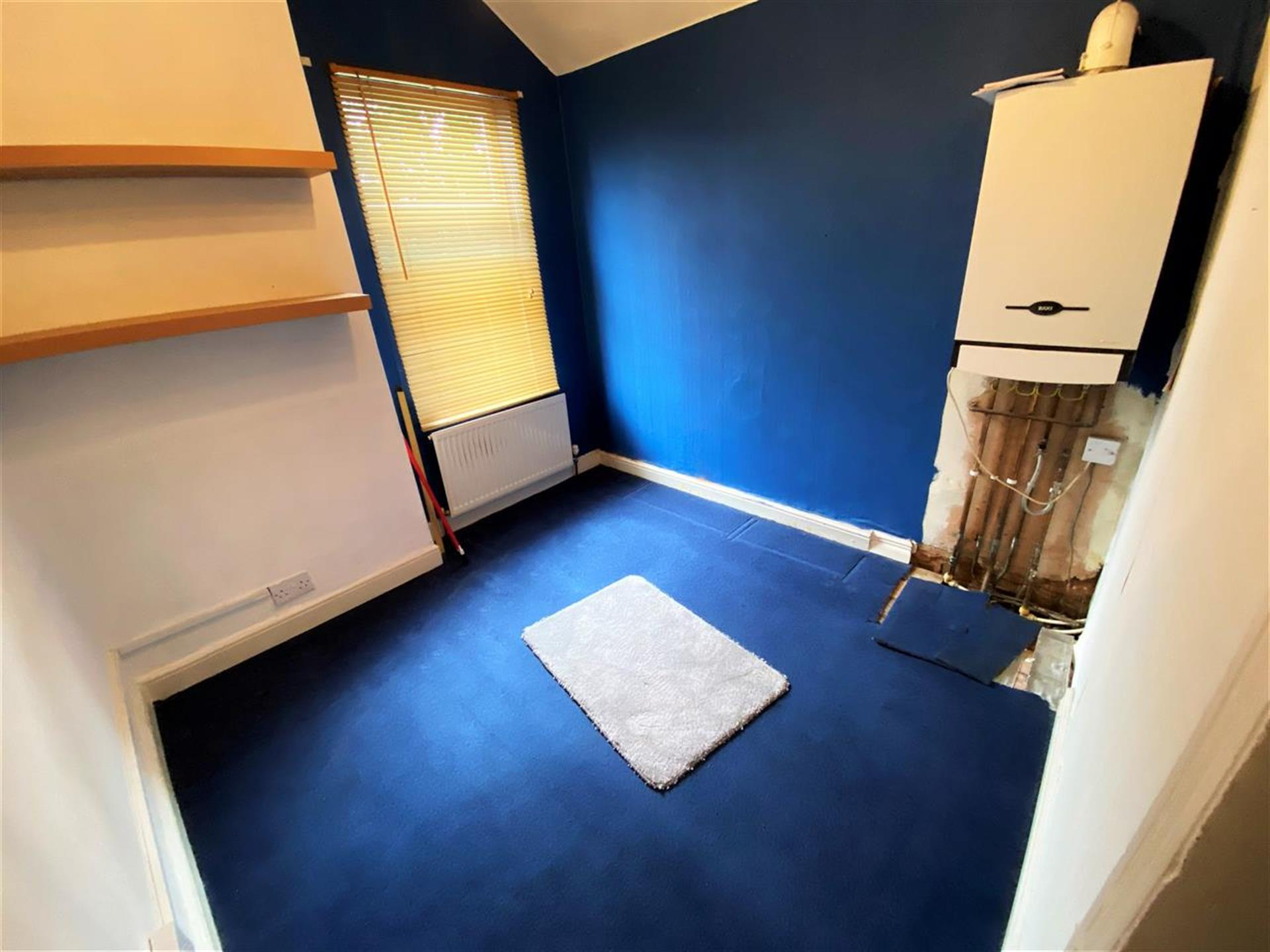 3 Bedroom Terraced House To Rent - Image 7