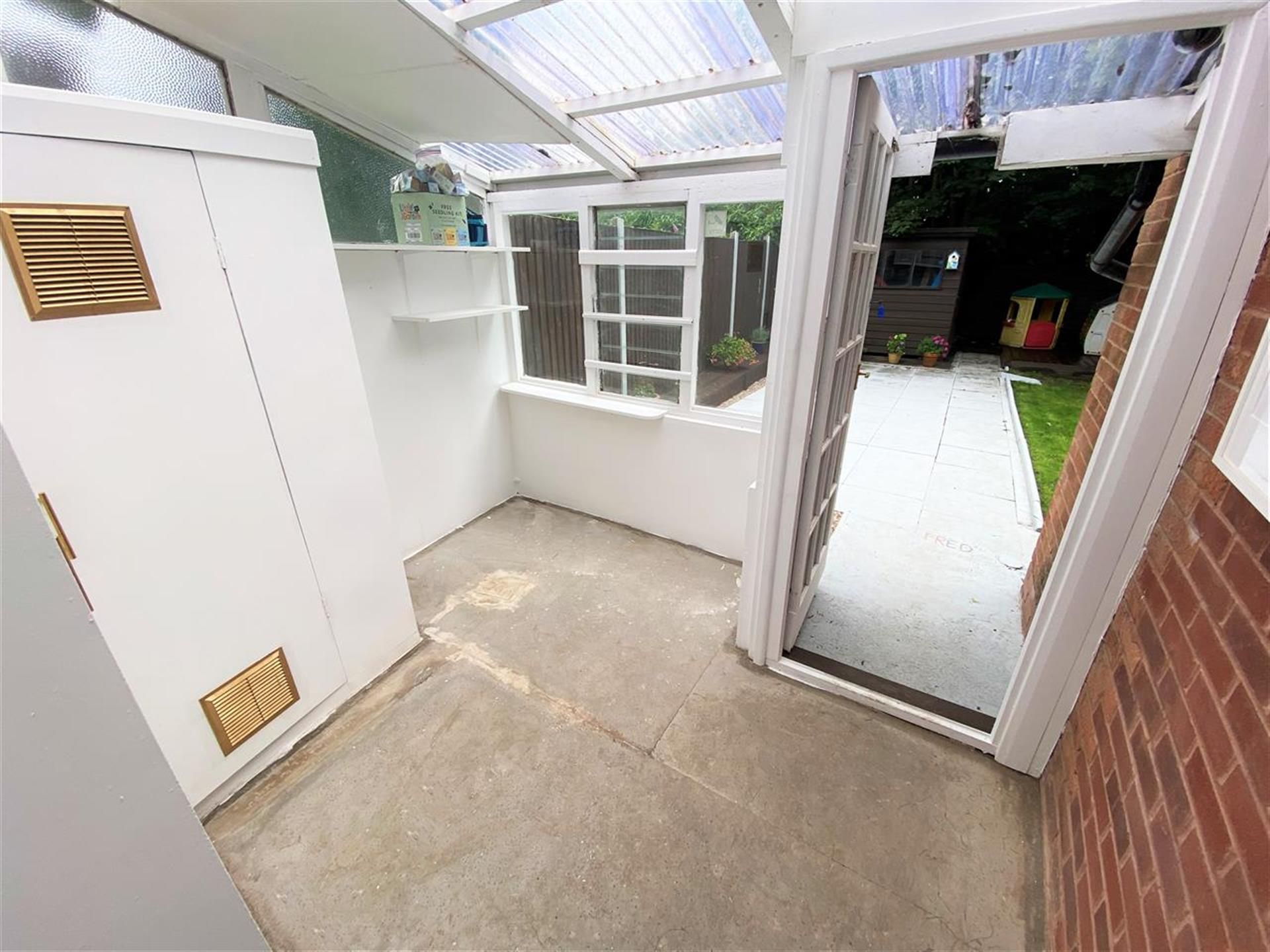 3 Bedroom Semi-detached House For Sale - Utility/Conservatory Area