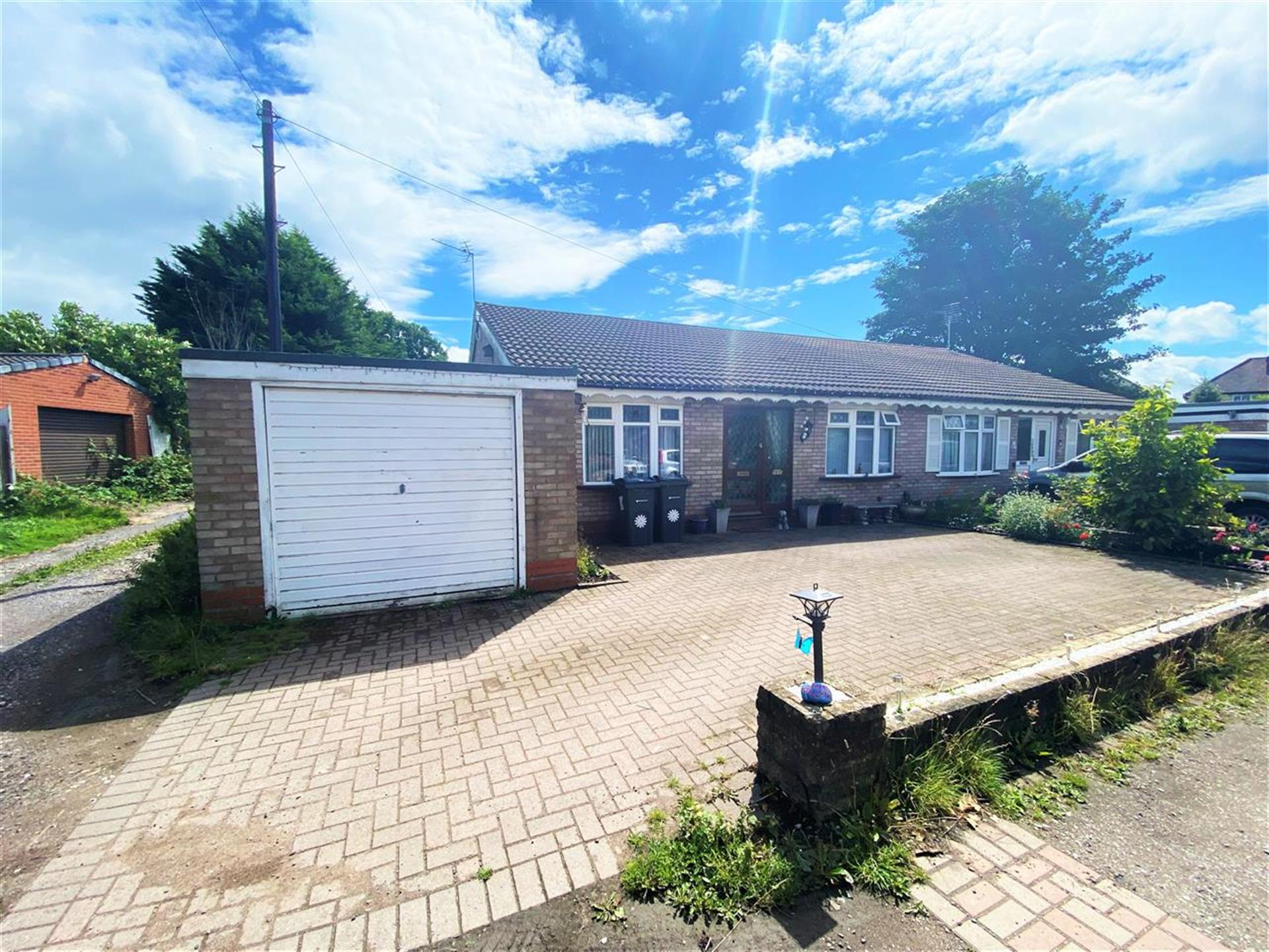 2 Bedroom Bungalow For Sale - Main Picture