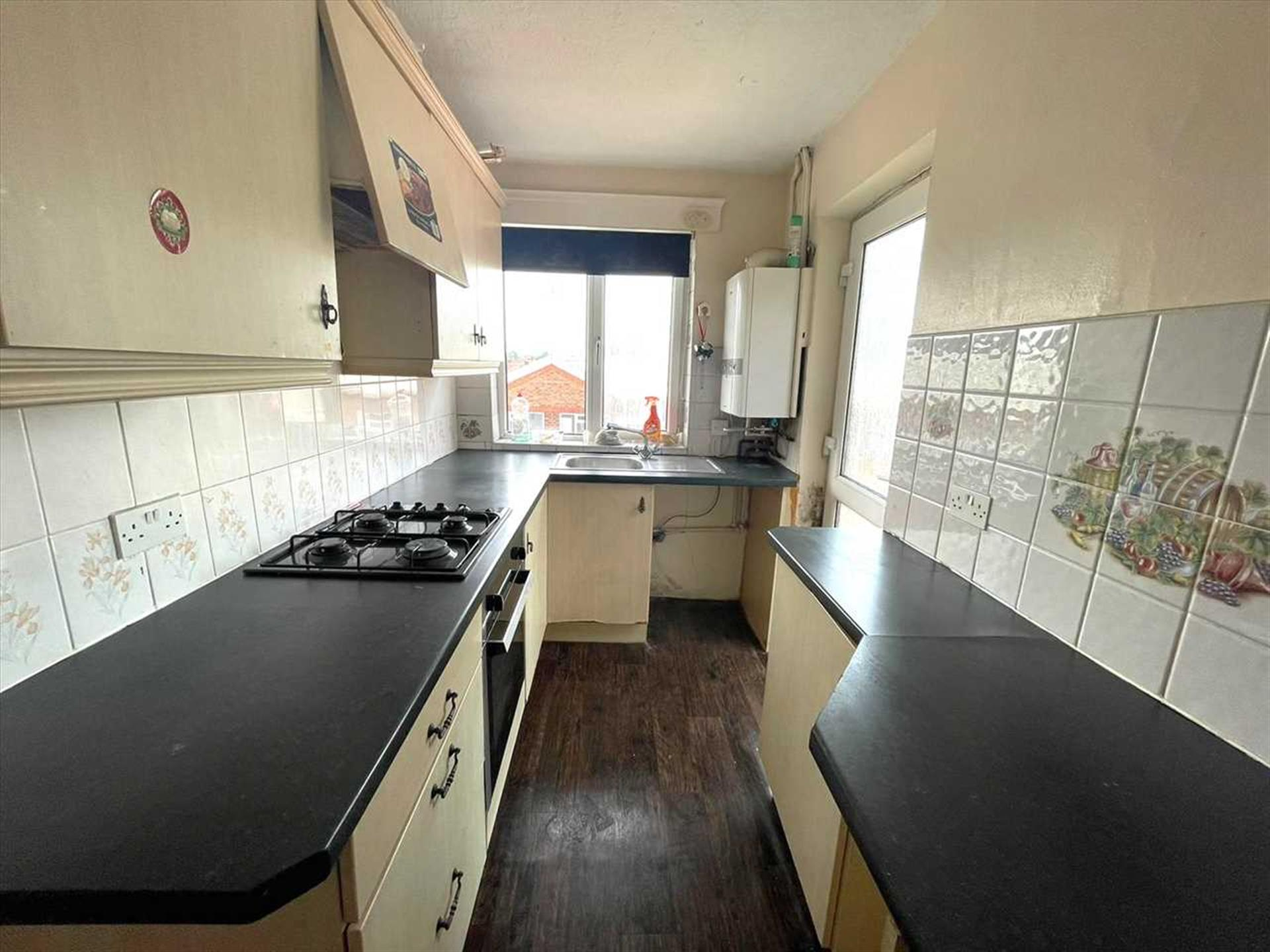 2 Bedroom Apartment Flat / Apartment For Sale - Image 4