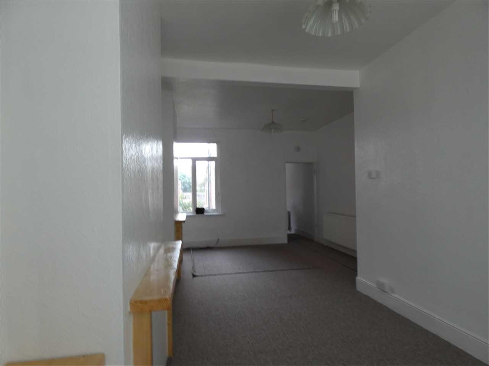 3 Bedroom Terraced House For Sale - Through Lounge