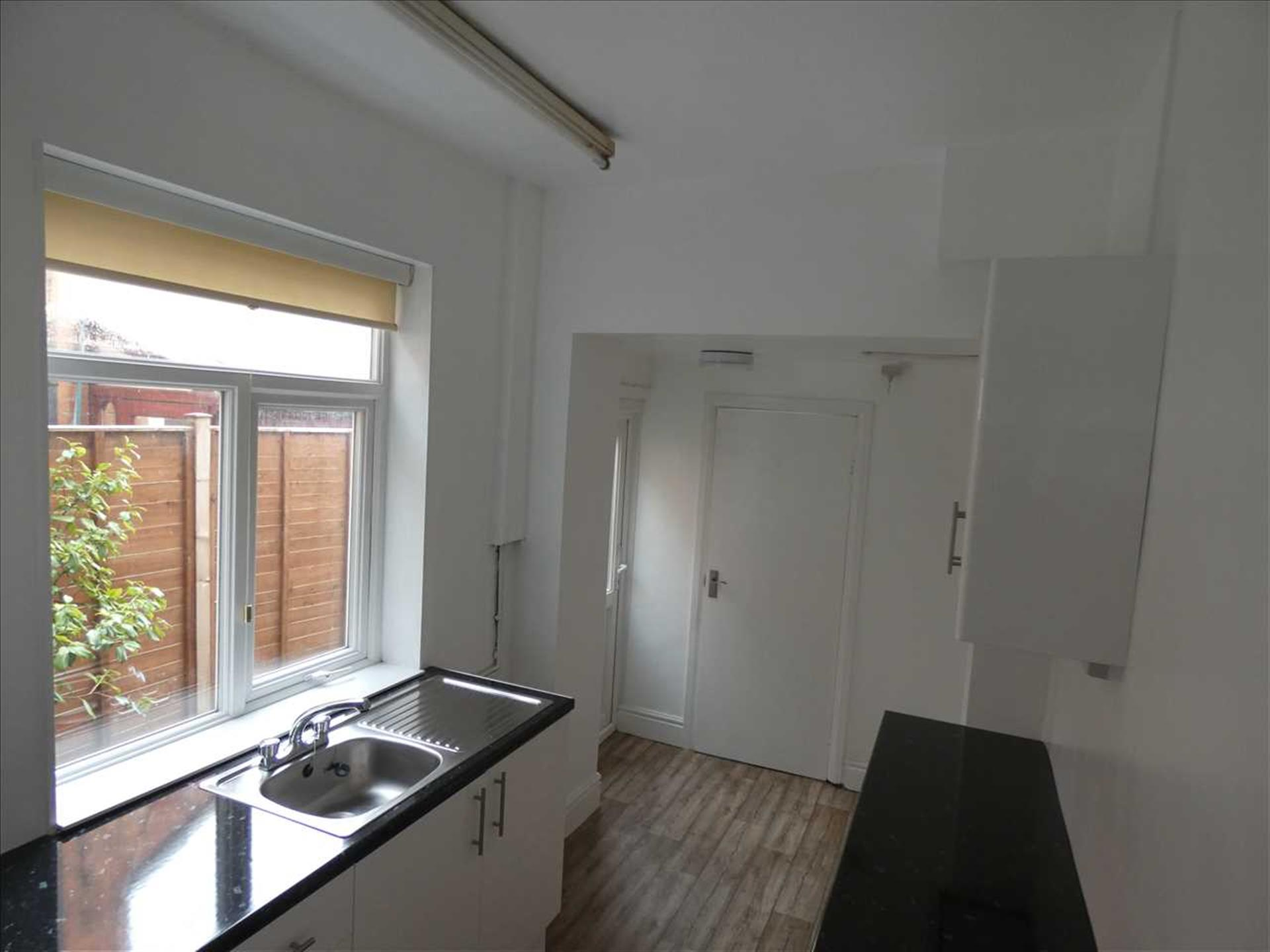 3 Bedroom Terraced House For Sale - Kitchen