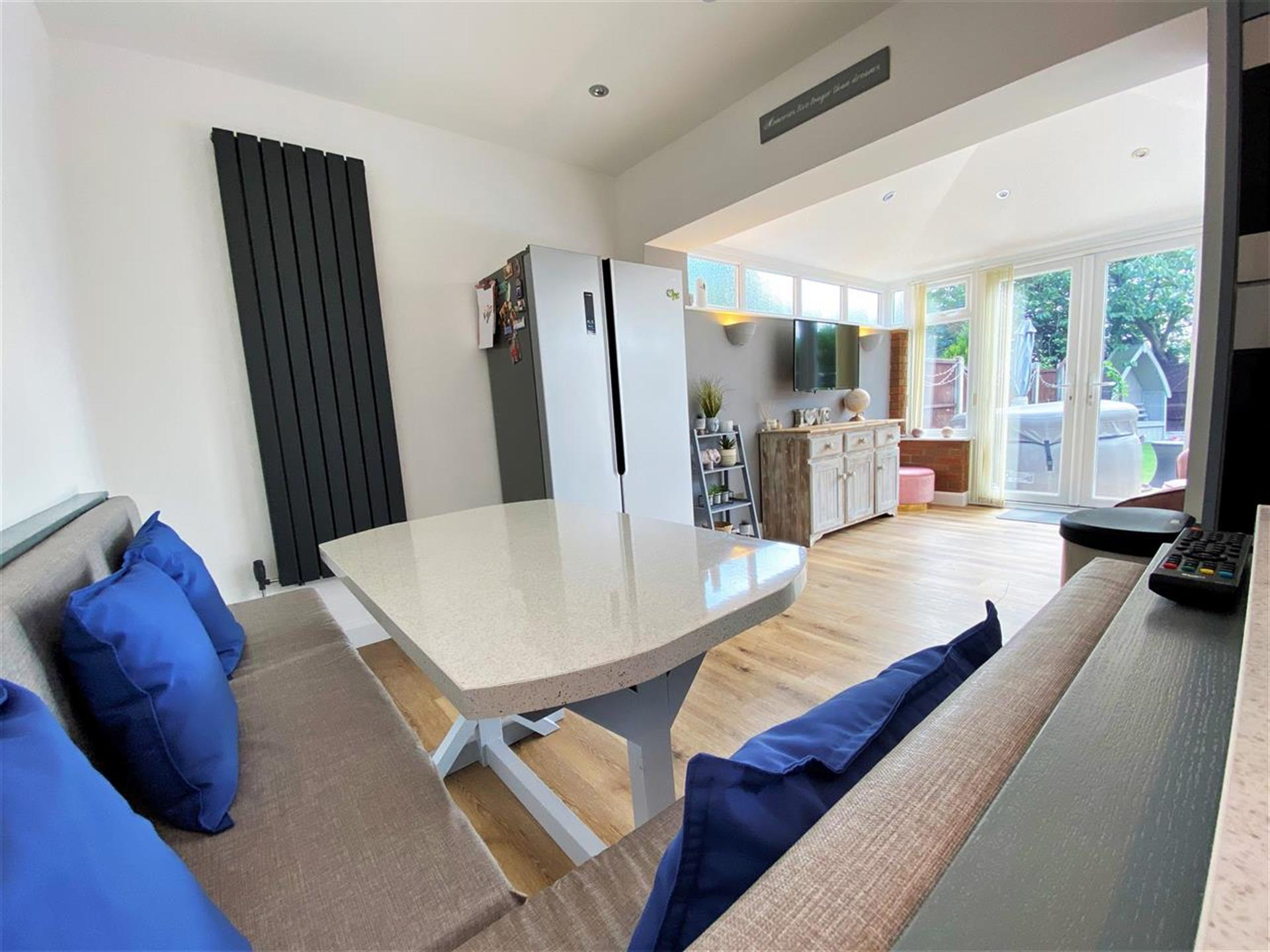 2 Bedroom Terraced House For Sale - Image 4