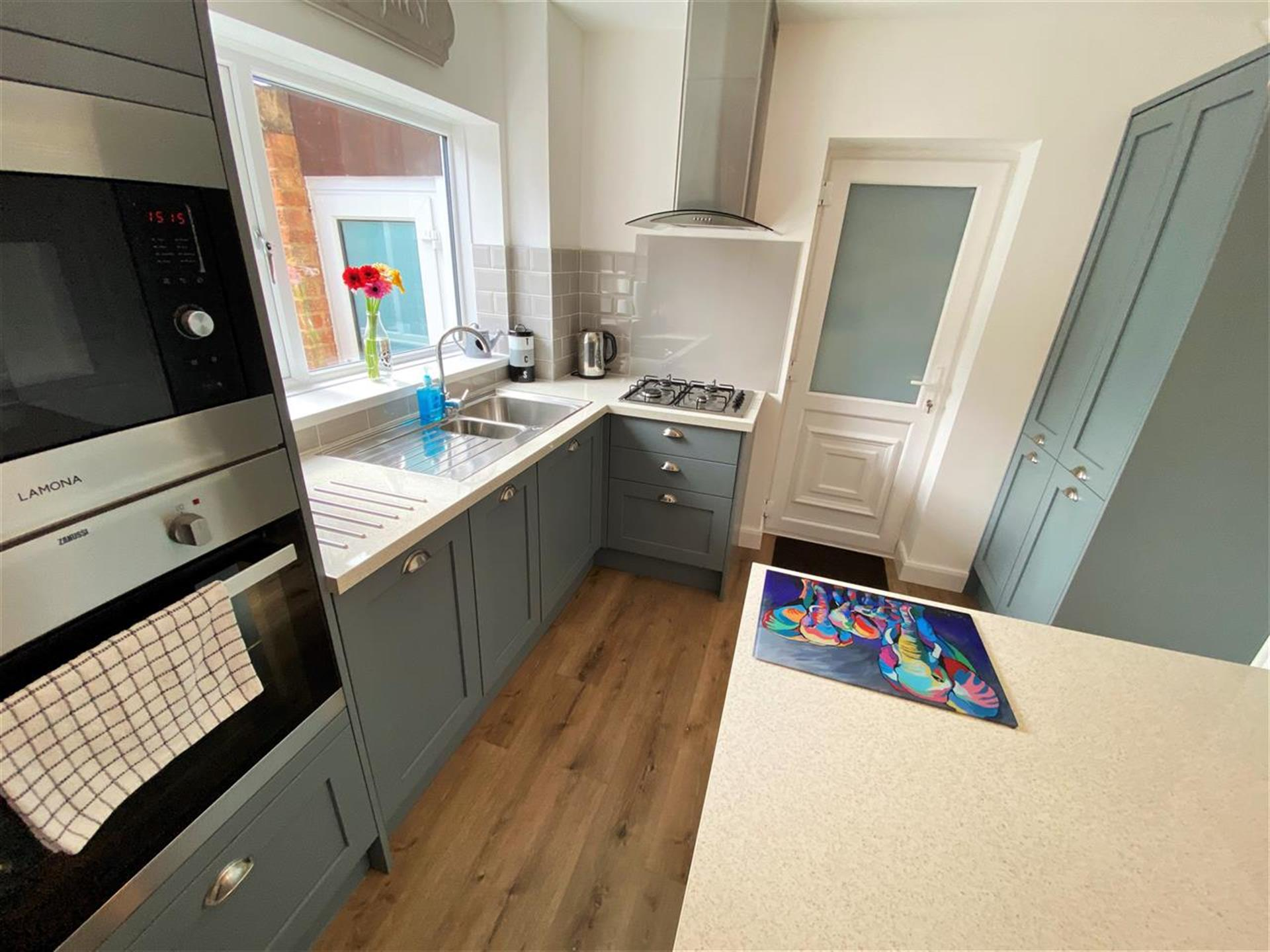 2 Bedroom Terraced House For Sale - Image 5