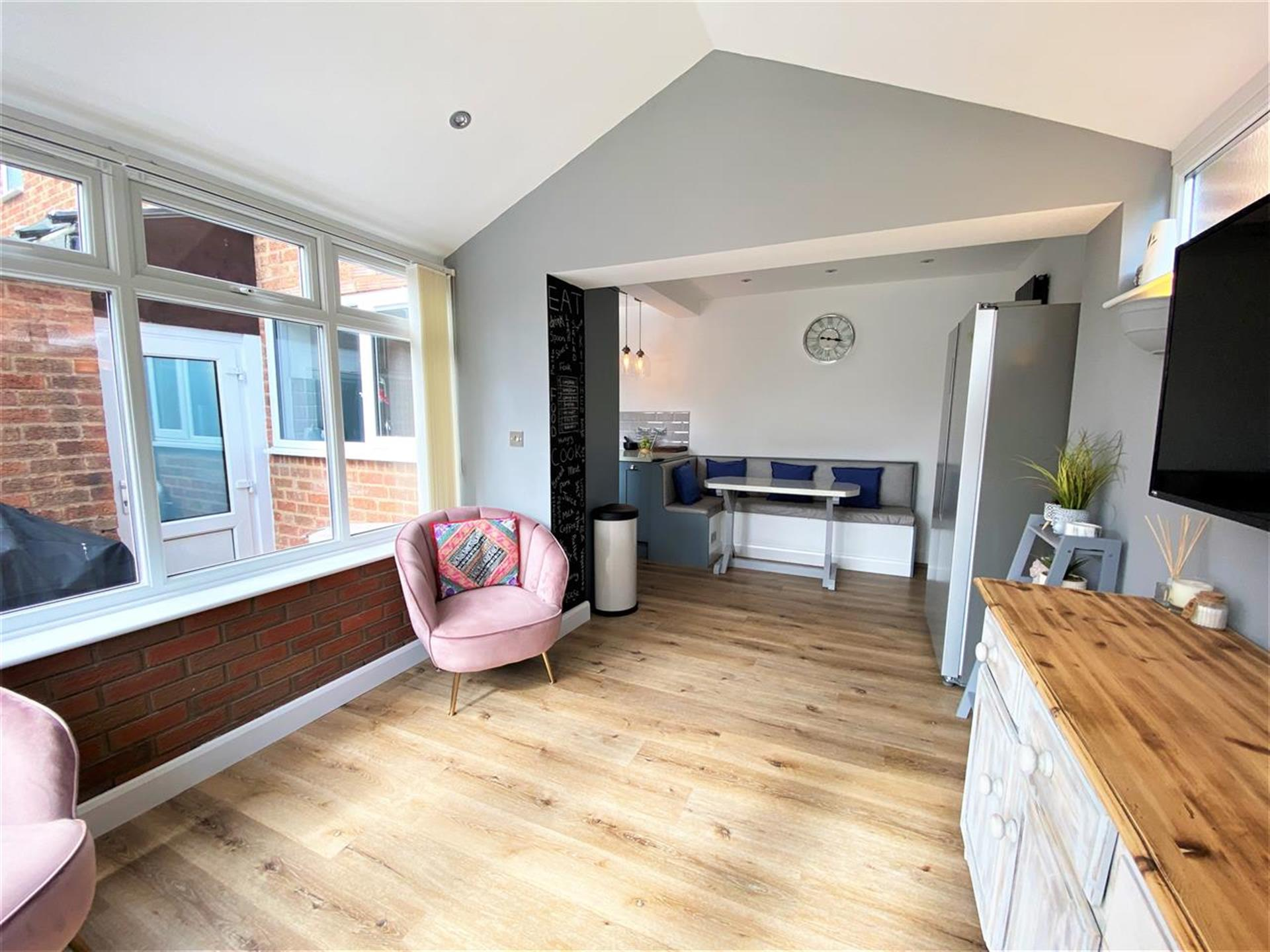 2 Bedroom Terraced House For Sale - Image 7
