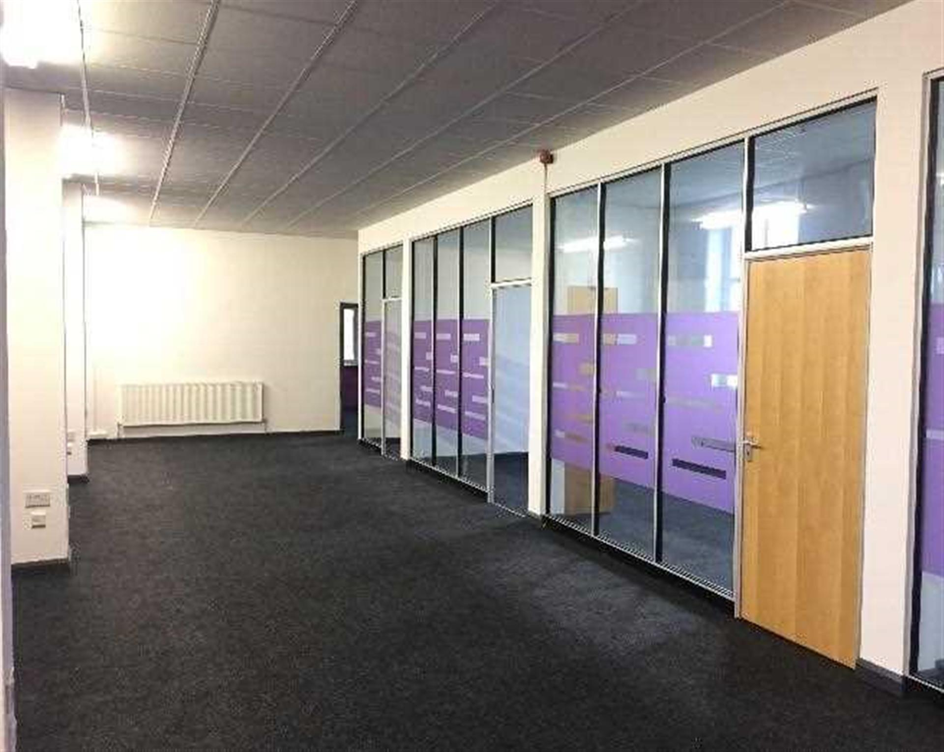Commercial Property To Rent - Image 11