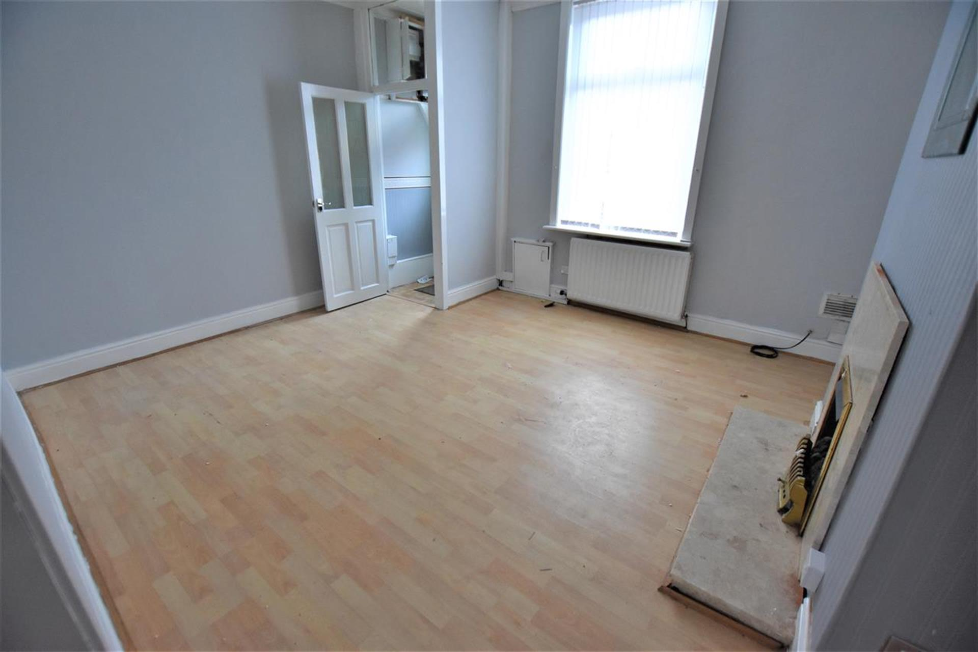 2 Bedroom Terraced House To Rent - Reception Room One