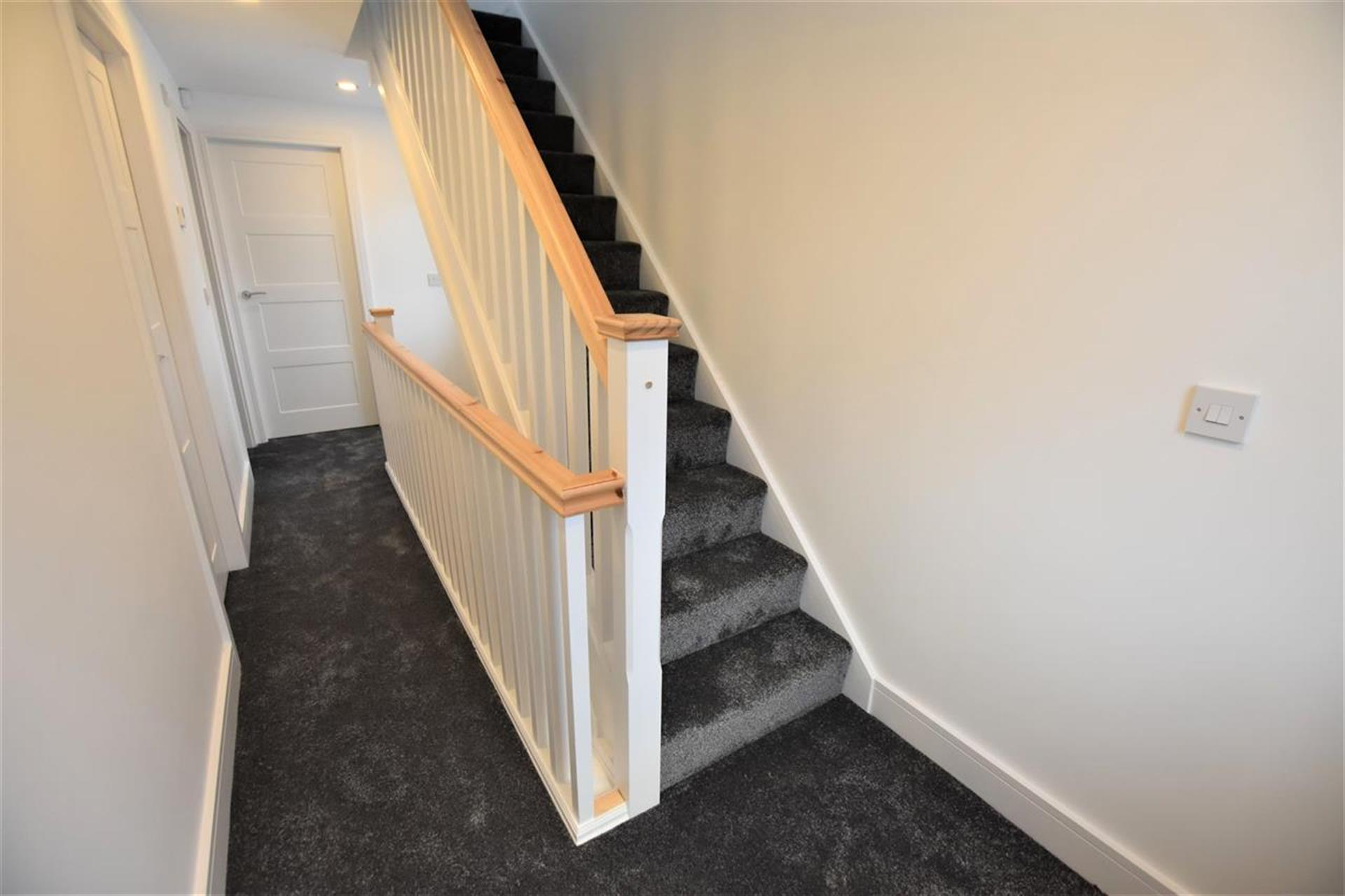 3 Bedroom House For Sale - Hallway to Third Floor