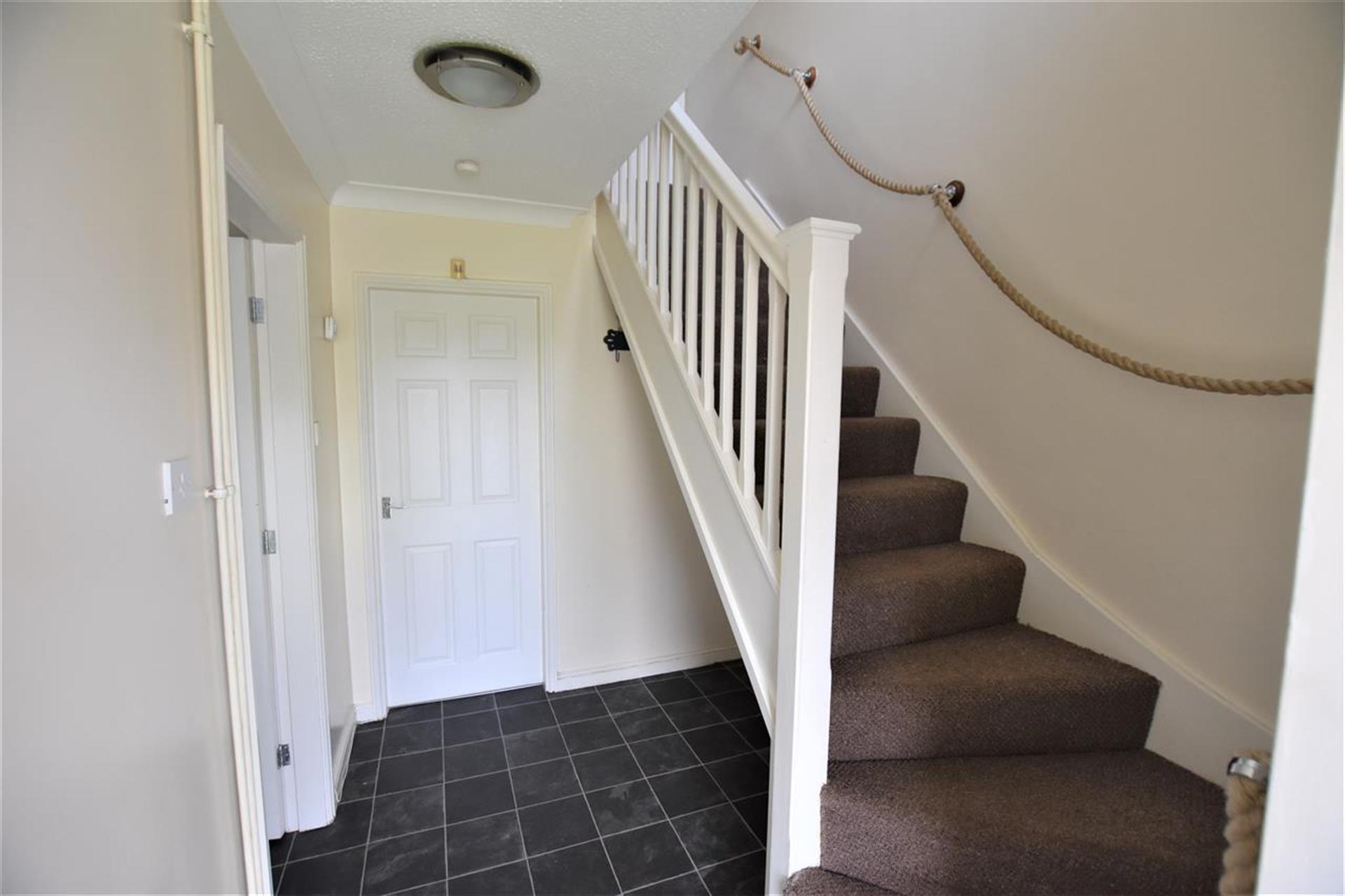 2 Bedroom House For Sale - Hallway