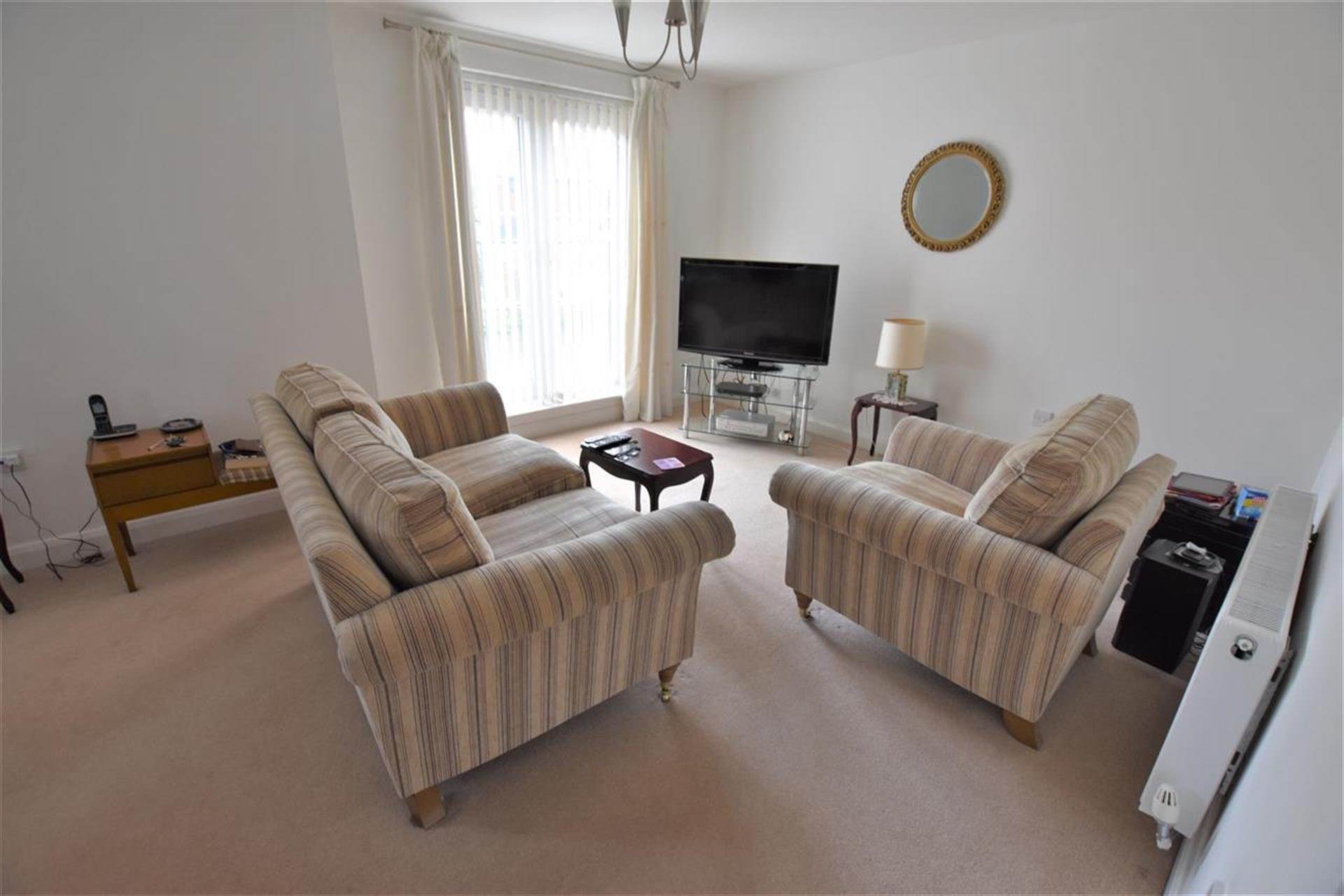 2 Bedroom Apartment Flat / Apartment For Sale - Reception Room