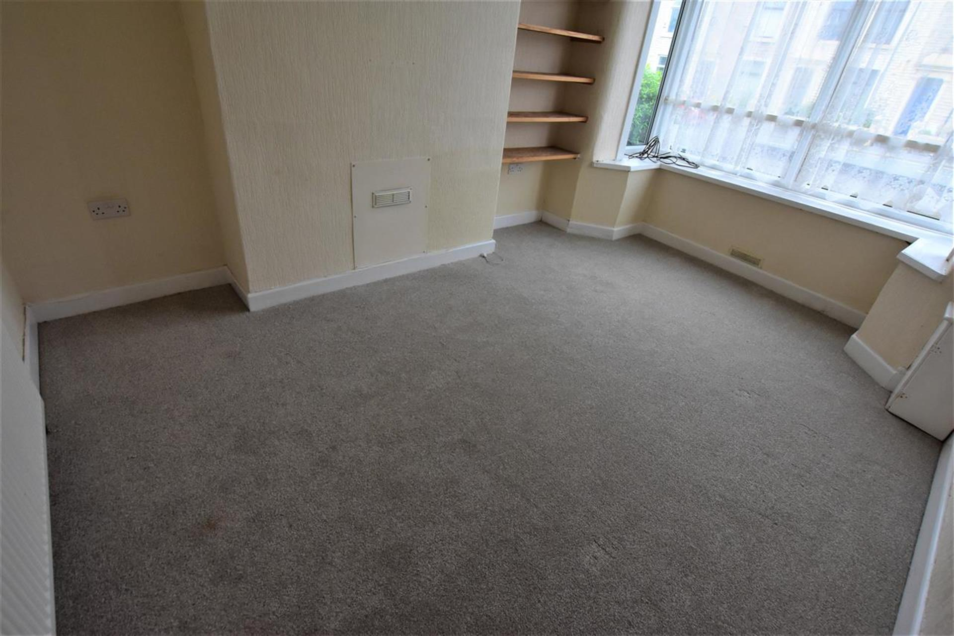 2 Bedroom Terraced House For Sale - Reception Room 1