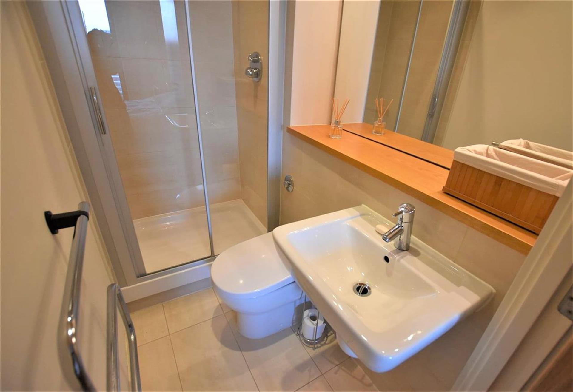 2 Bedroom Apartment Flat / Apartment For Sale - Ensuite Bathroom