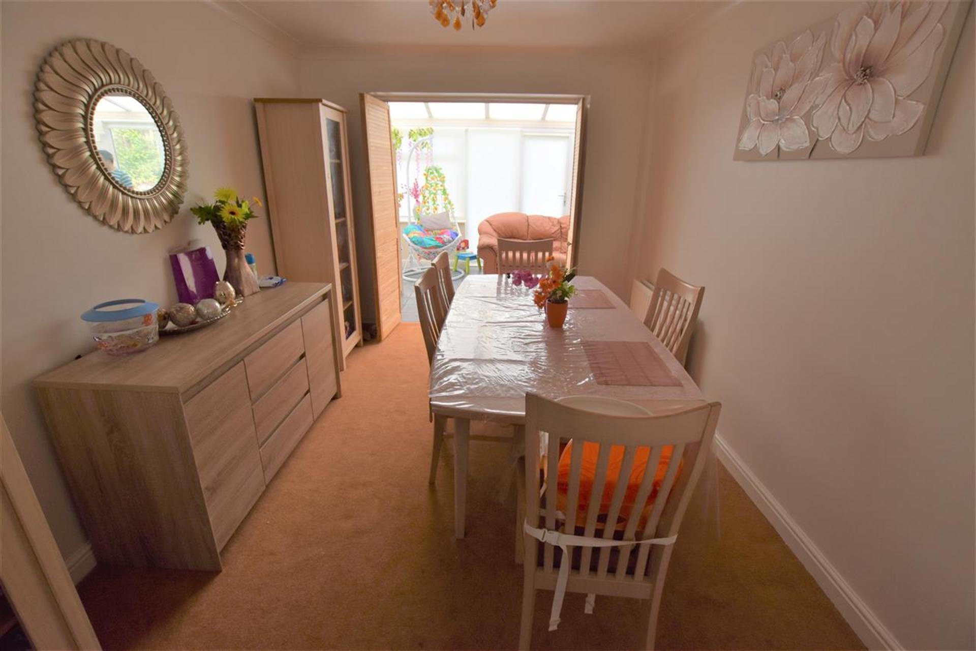 4 Bedroom Detached House For Sale - Dining Room