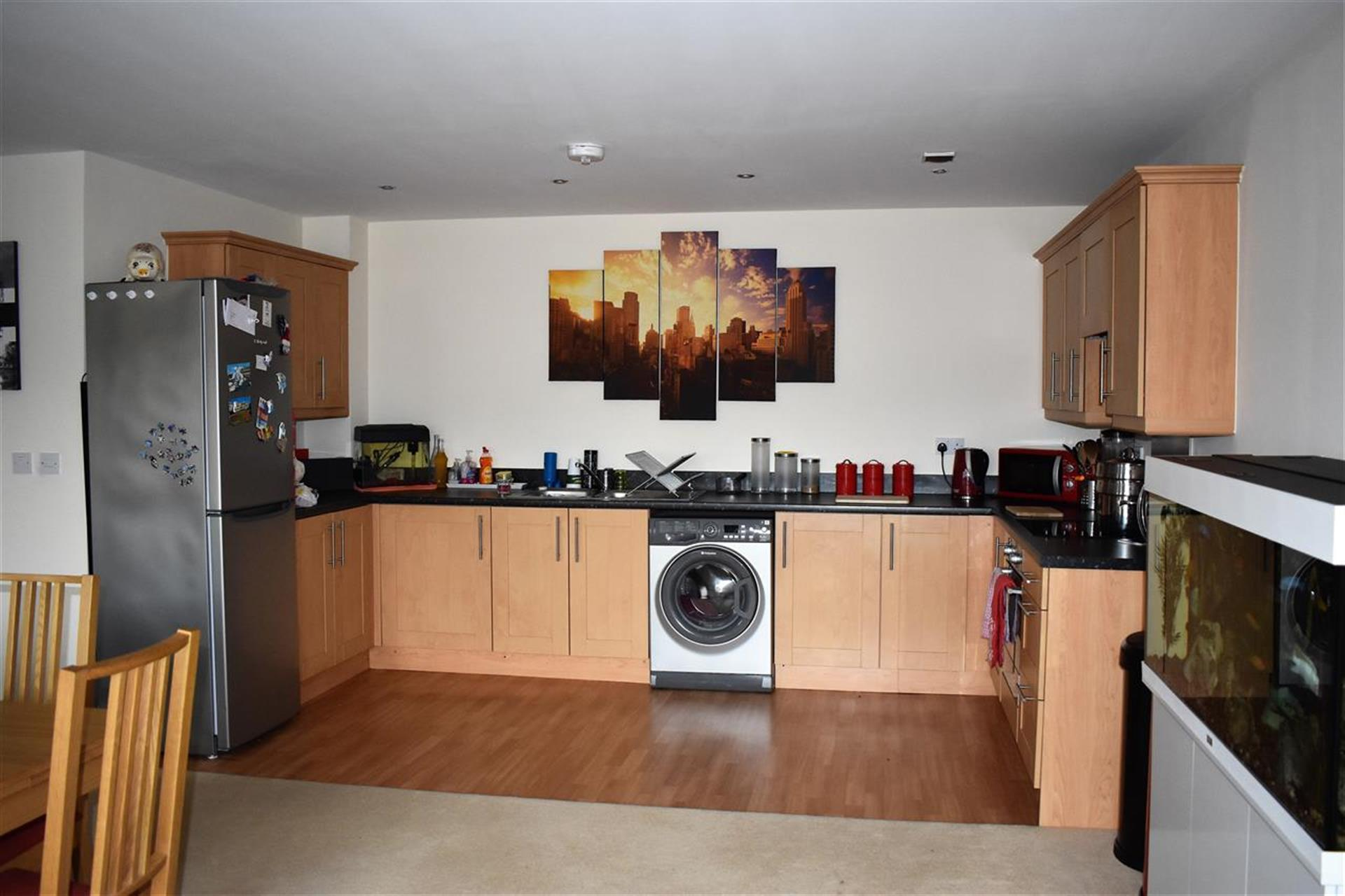 3 Bedroom Apartment Flat / Apartment To Rent - Dining Area