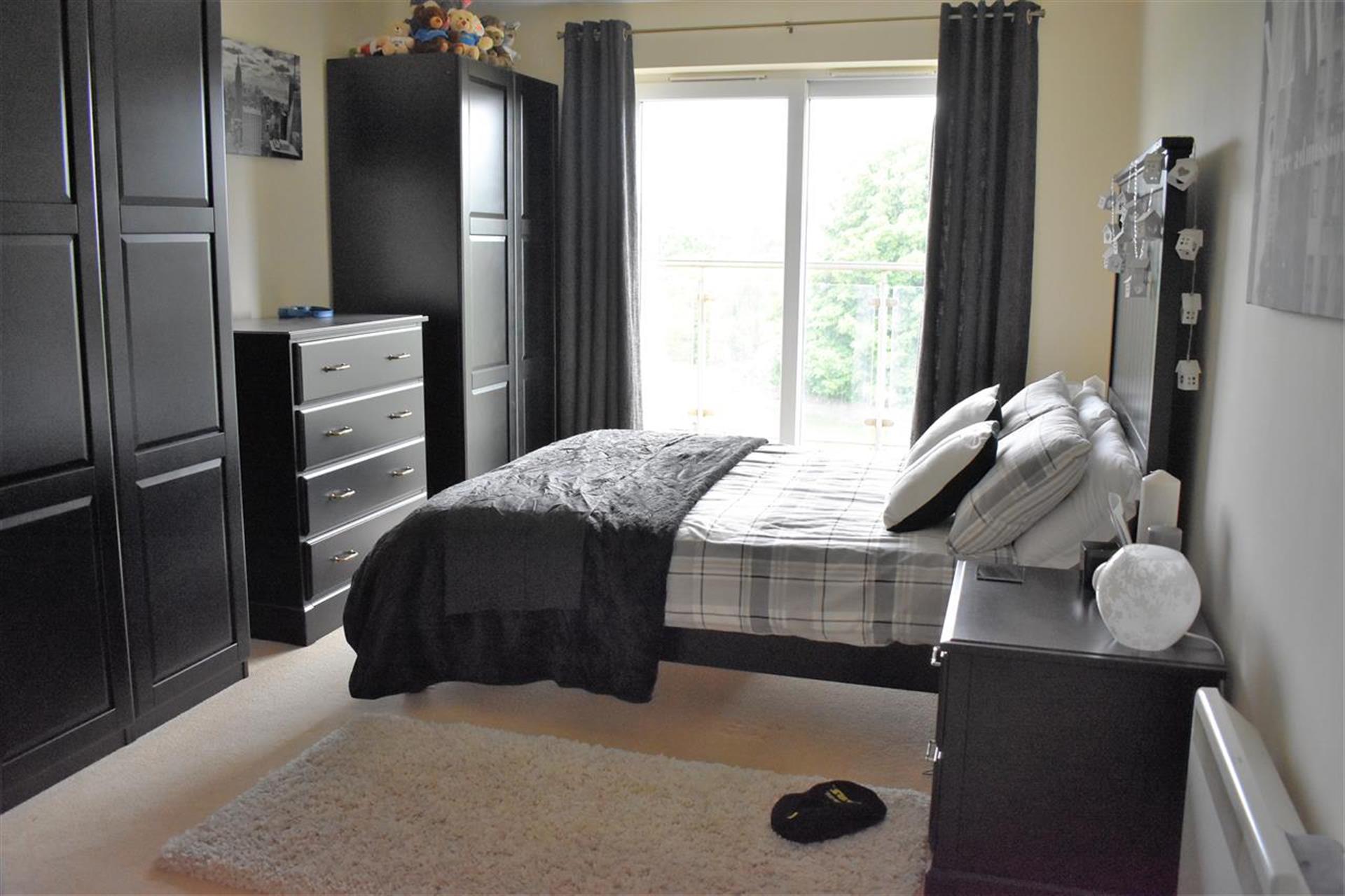 3 Bedroom Apartment Flat / Apartment To Rent - Balcony