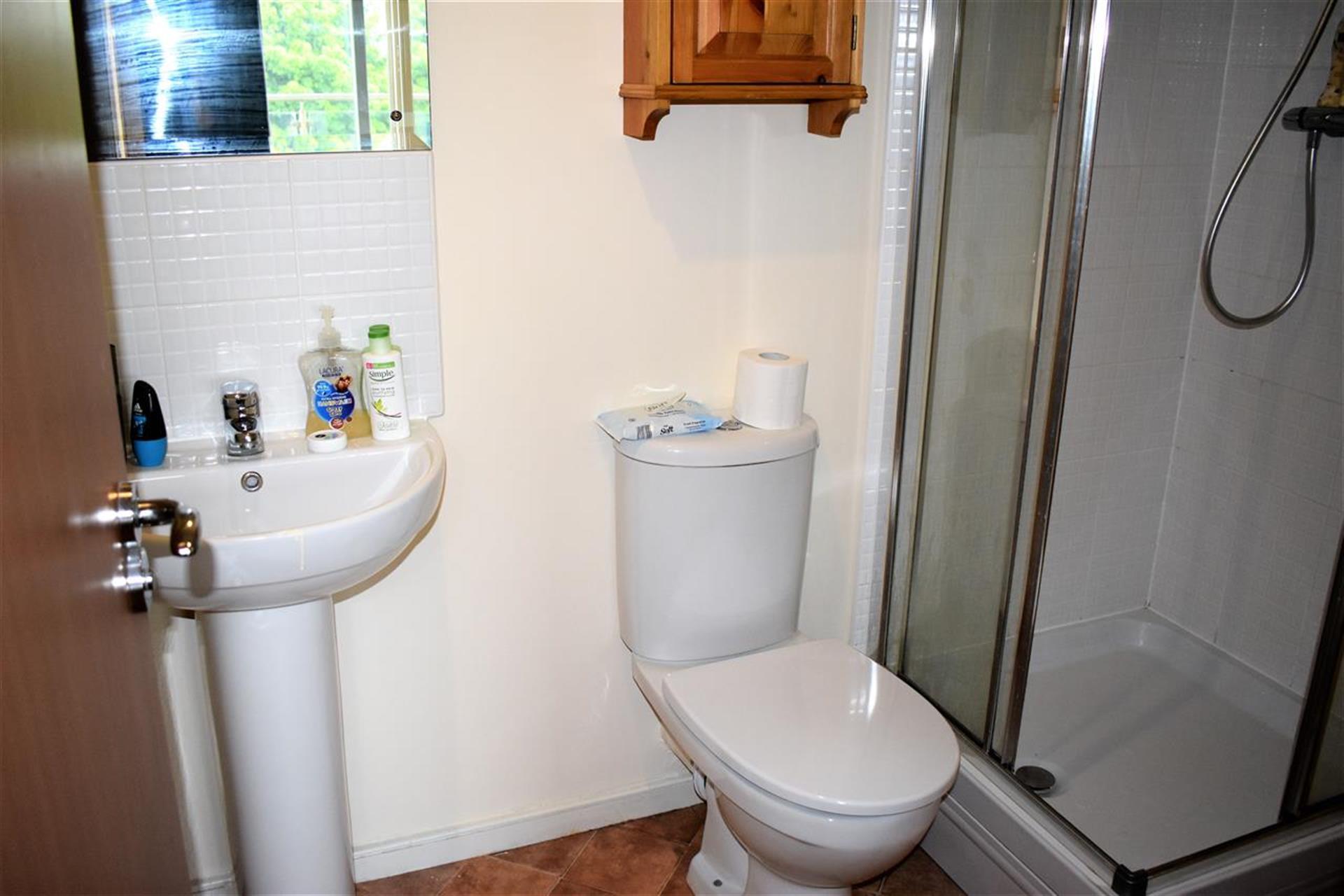 3 Bedroom Apartment Flat / Apartment To Rent - Master Bedroom