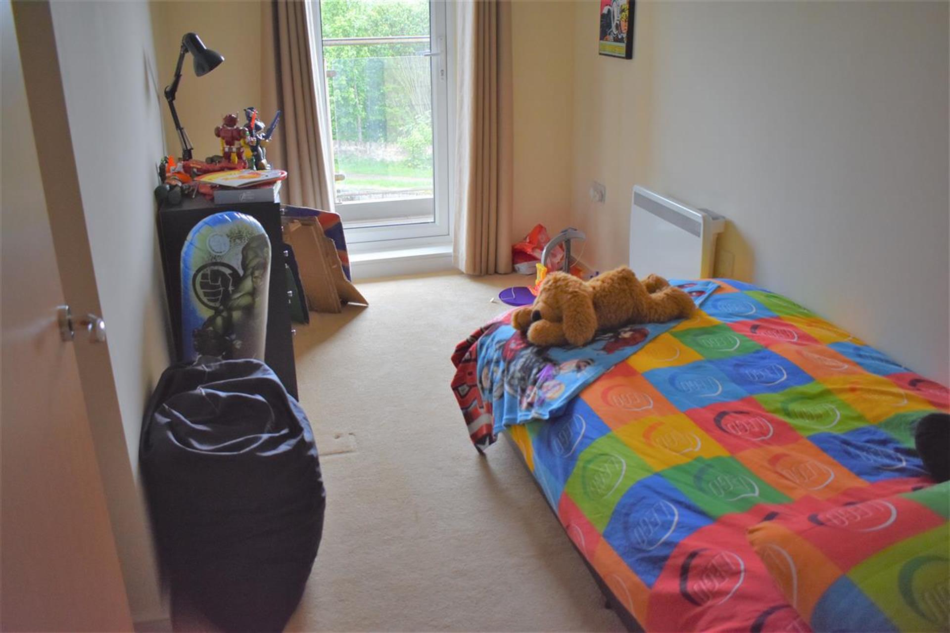 3 Bedroom Apartment Flat / Apartment To Rent - Ensuite